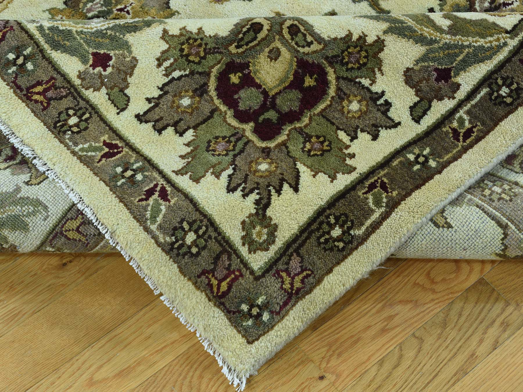 7-9 x8-1  Hand-Knotted 100 Percent Wool Agra Square Oriental Rug