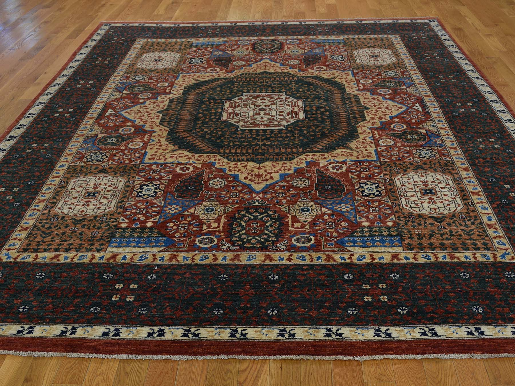 8-1 x10- Peshawar with Mamluk Design Hand-Knotted Pure Wool Oriental Rug