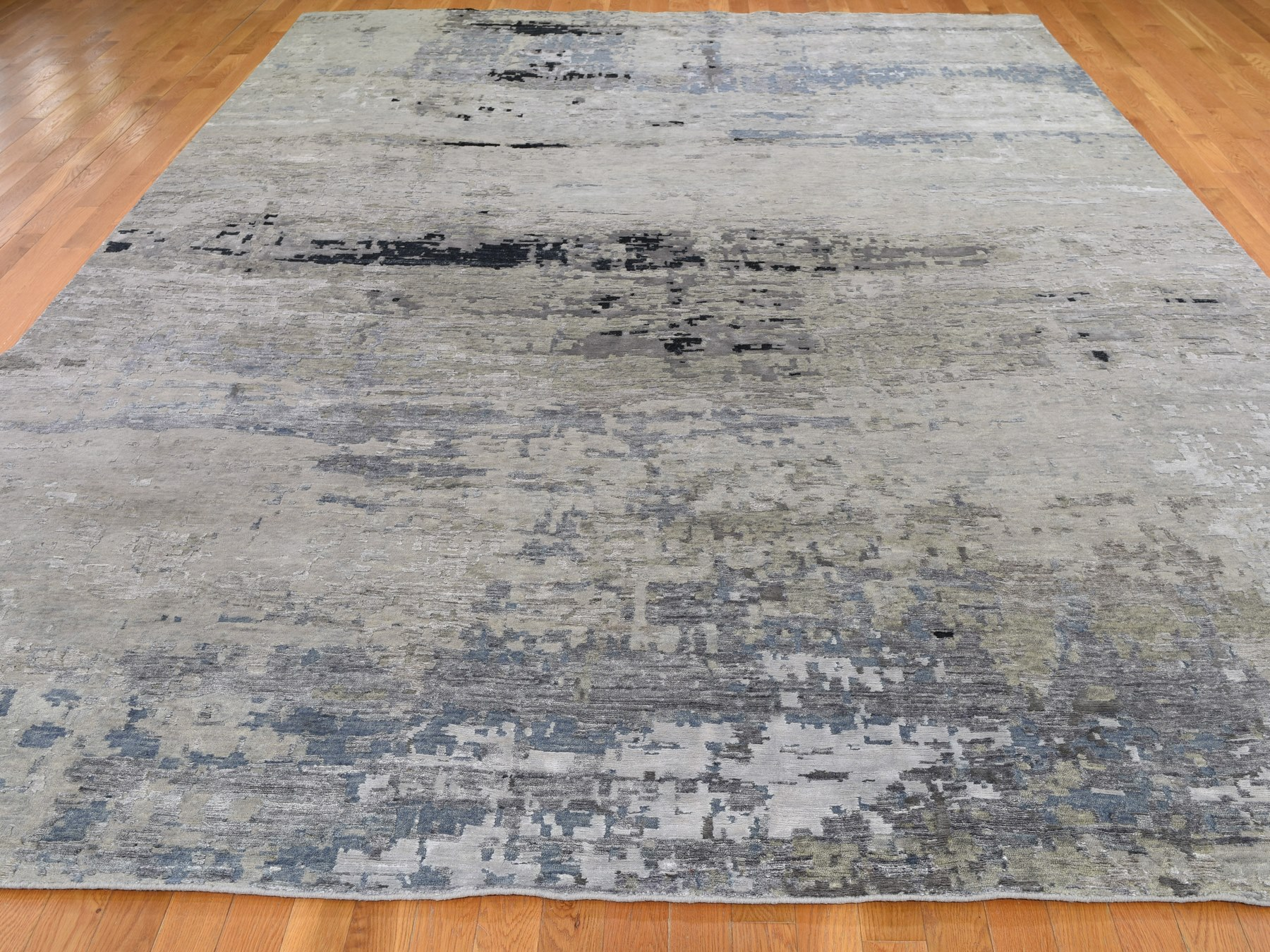 "10'x13'10"" Hand Knotted Gray Abstract Design Wool and Silk Hi-Low Pile Oriental Rug"