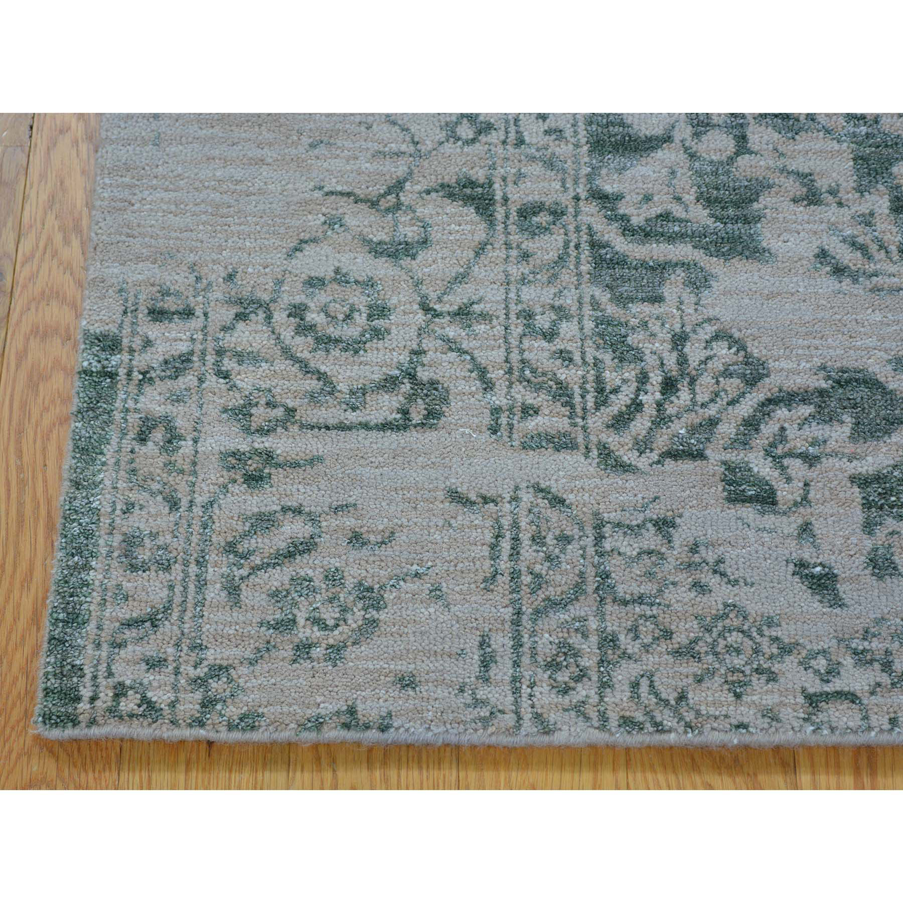 2- x 3- Wool and Silk Broken Design Heriz Handmade Sample Oriental Rug