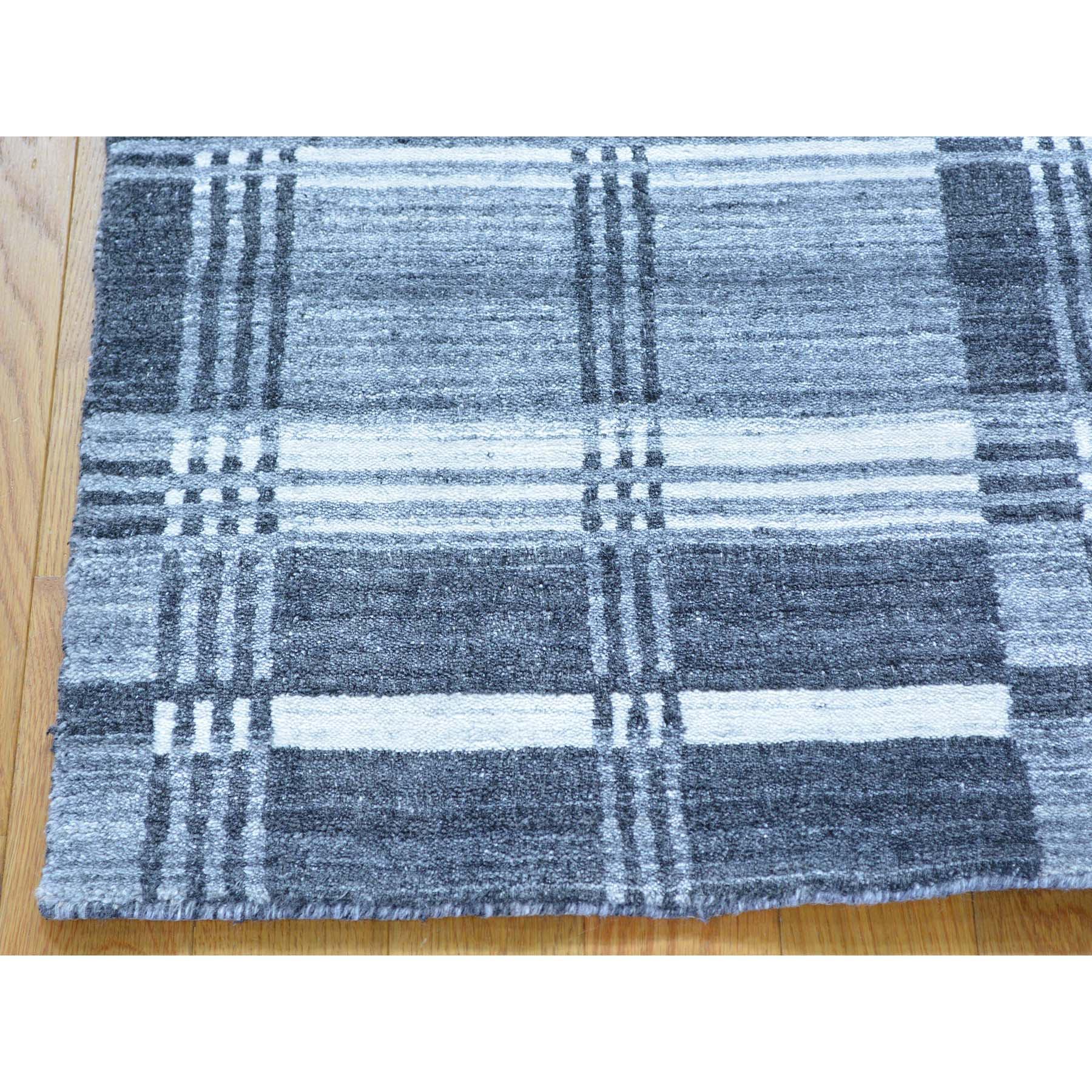2- x 3- Geometric Design Handmade Modern 100 Percent Wool Oriental Rug