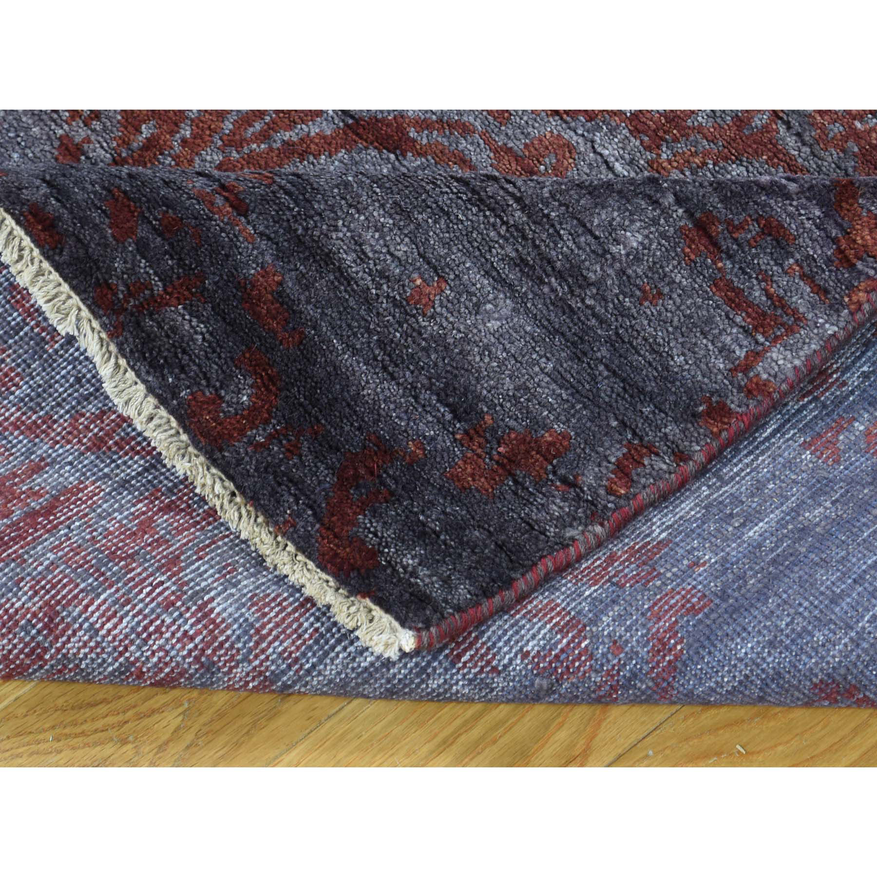 "2'7""x9'9"" Hand-Knotted Tone on Tone Damask Wool and Silk Runner Rug"