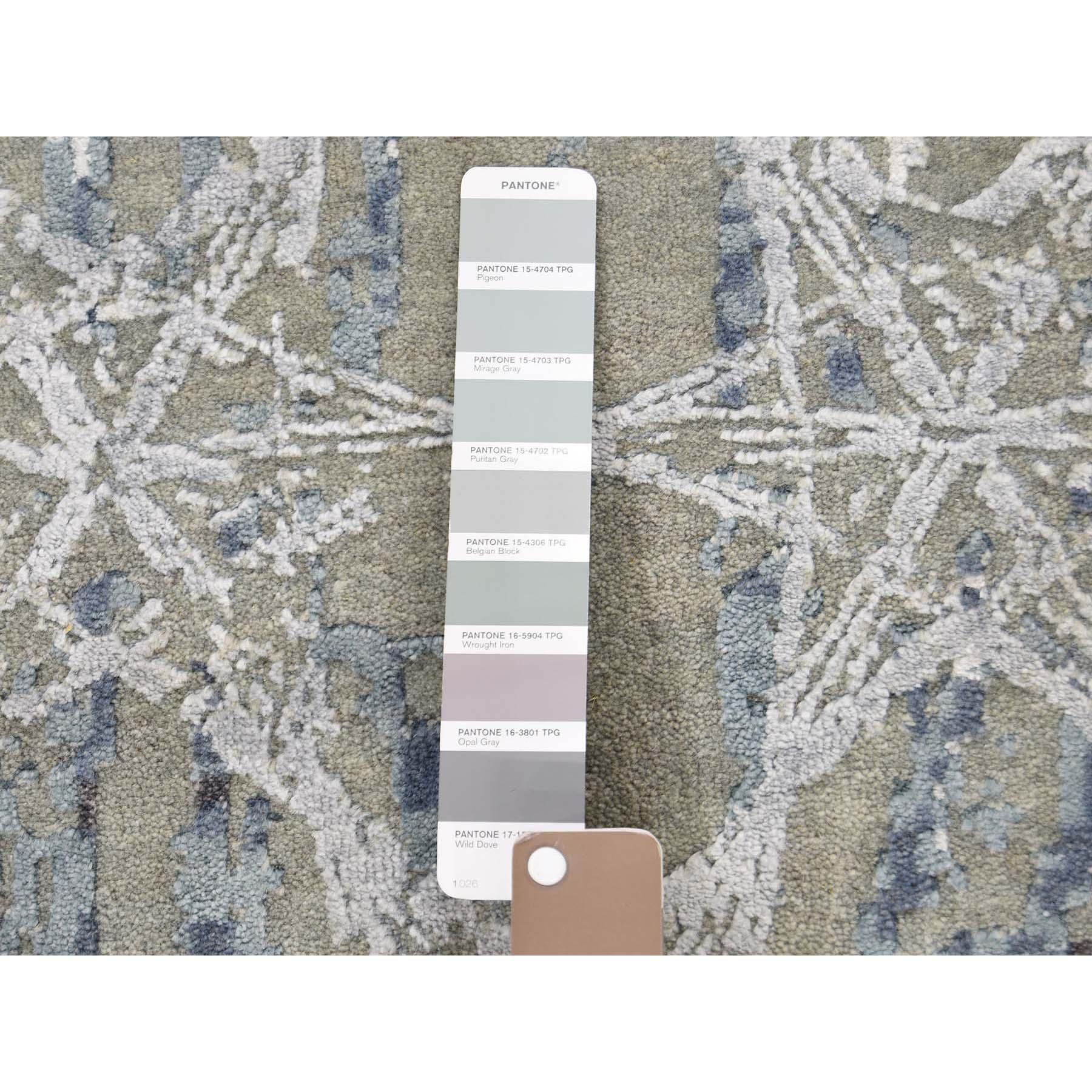 8-1--x9-10-- THE HONEYCOMB Award Winning Design Wool and Silk Oriental Rug