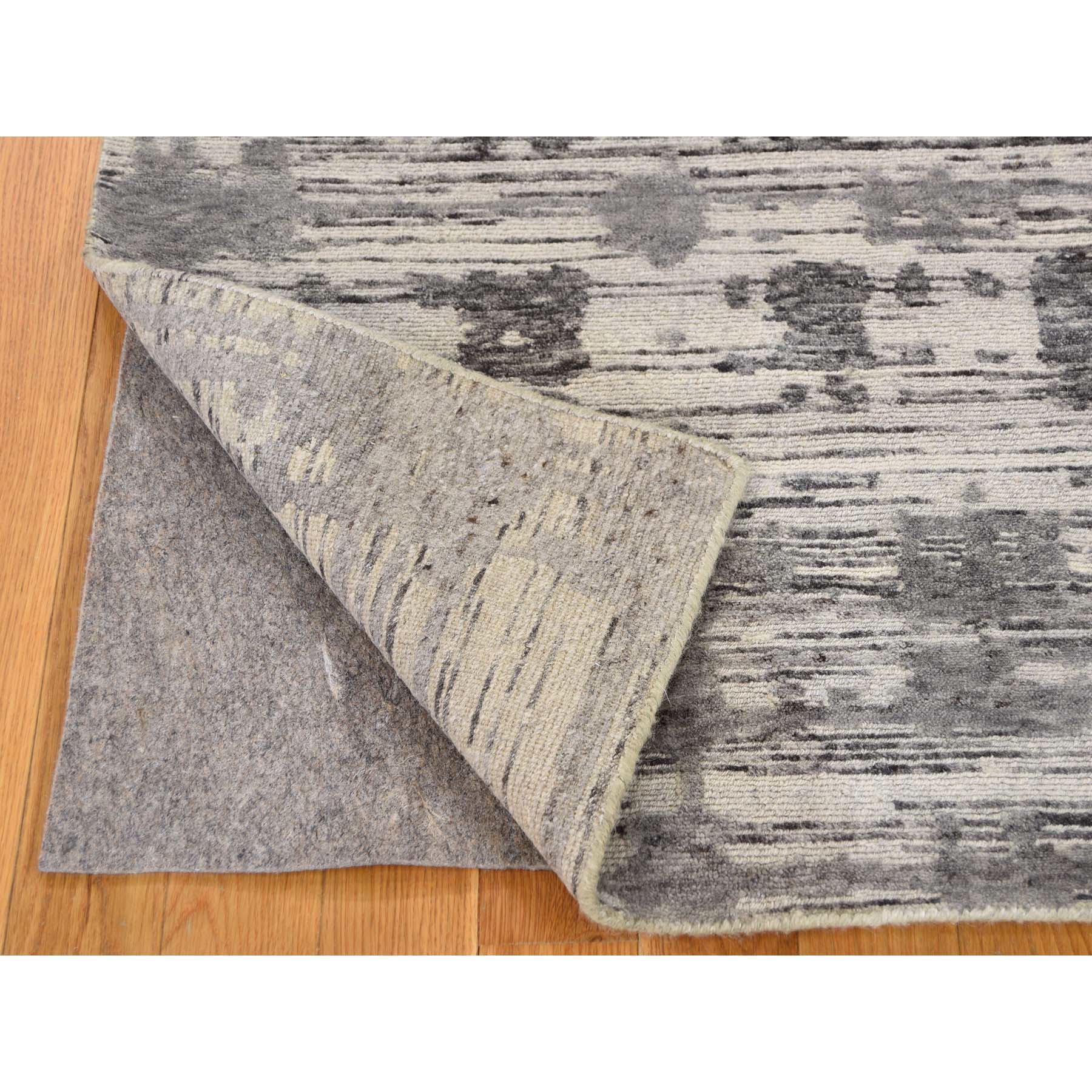 5'3''x7' Hand Spun Undyed Natural Wool Grey Modern Oriental Rug