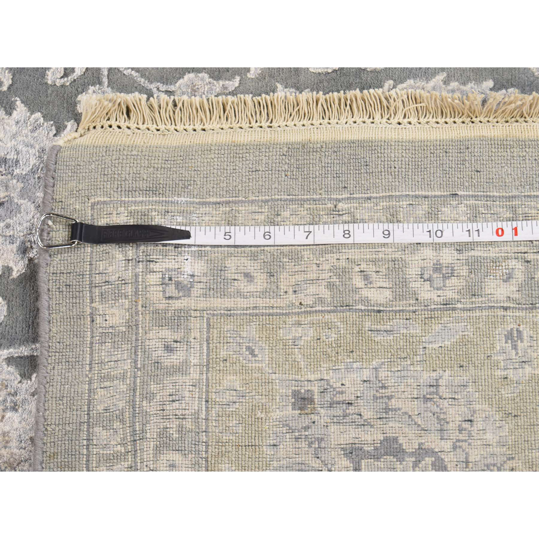 7-9--x10-1-- Wool and Silk 300 Kpsi Tone on Tone Kashan Hand-Knotted Rug