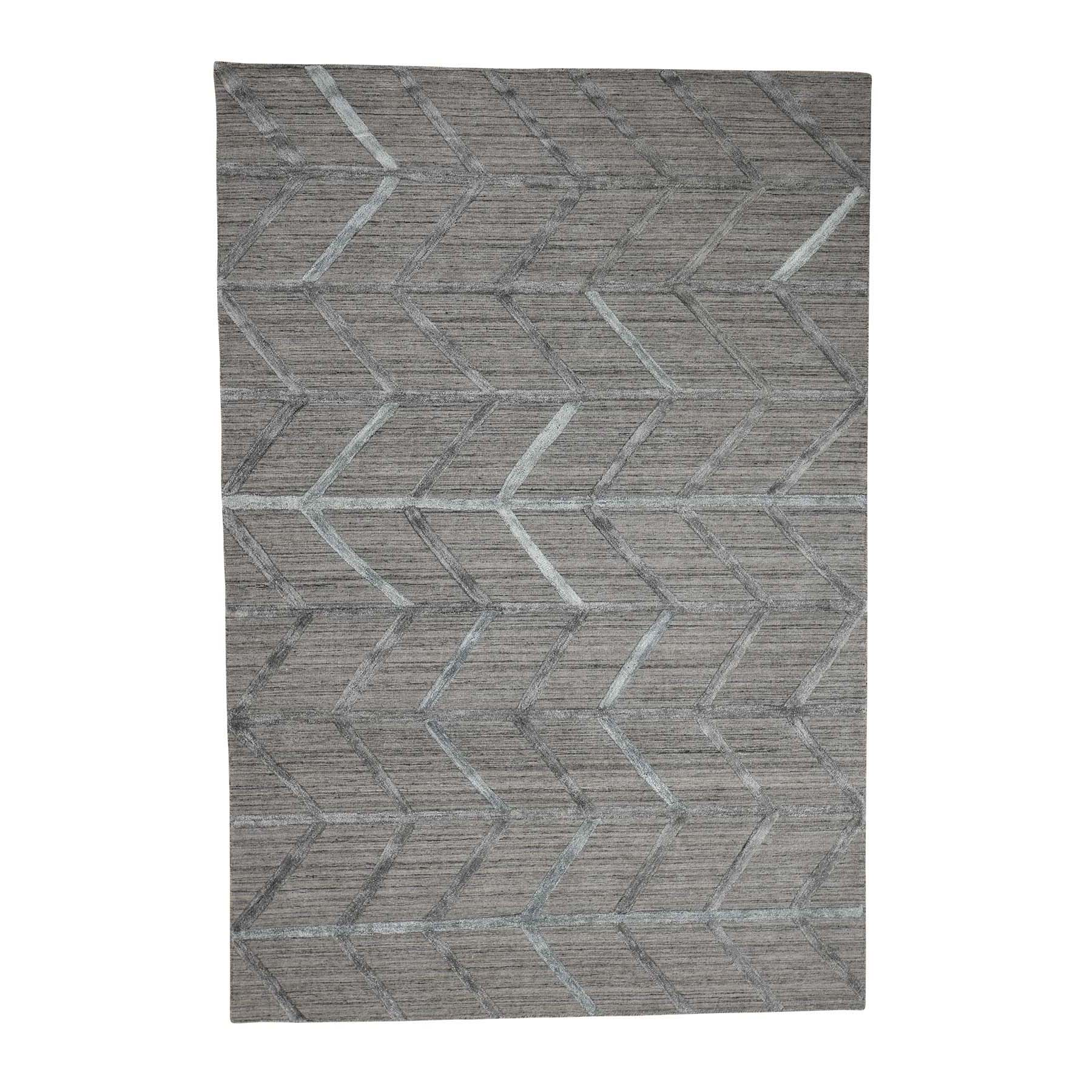 "6'x8'10"" Hand Loomed Wool and Silk Modern Arrow Design Grey Hi-Lo Pile Rug"