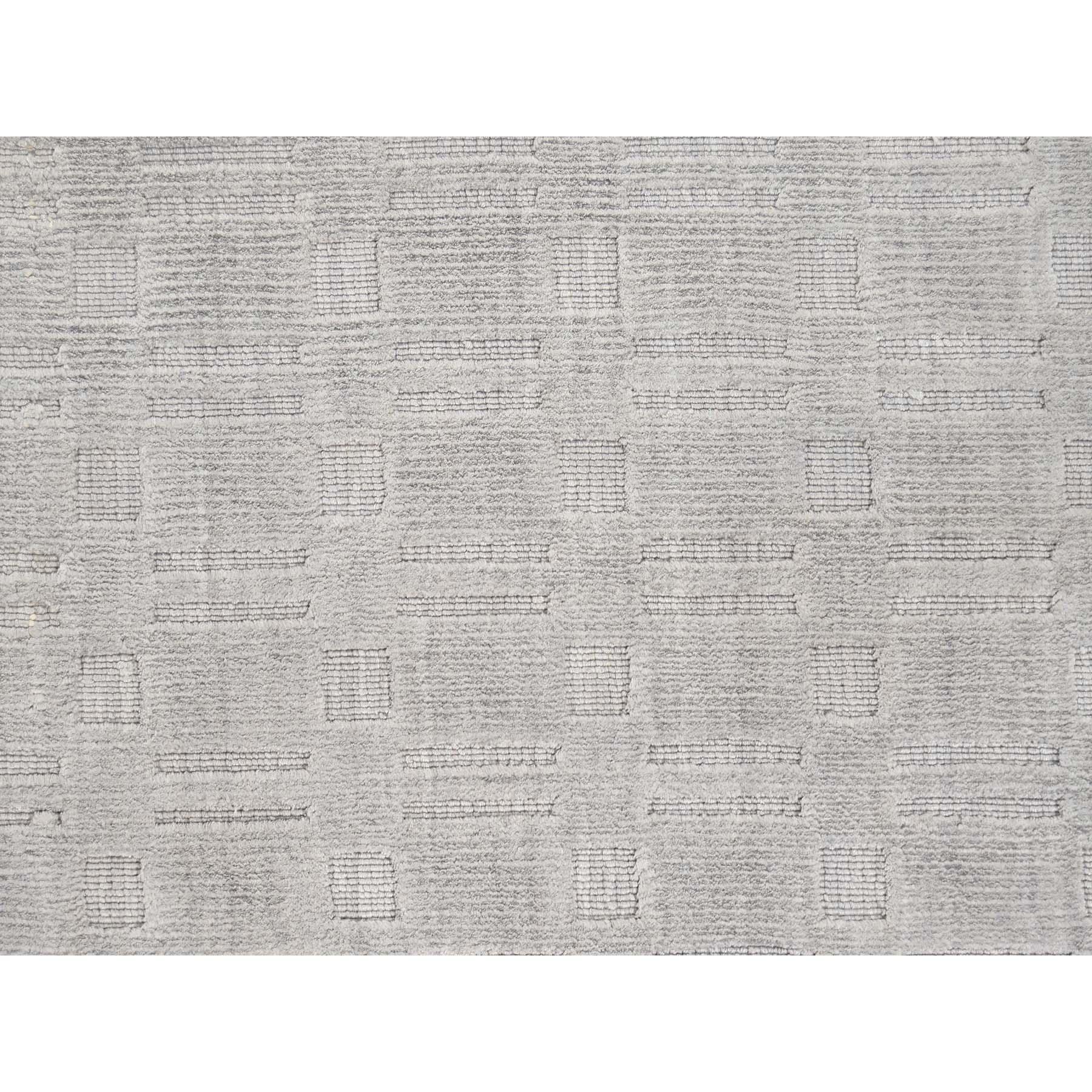 8-8 x11-8  Hand-Loomed Art Silk Tone on Tone Oriental Rug