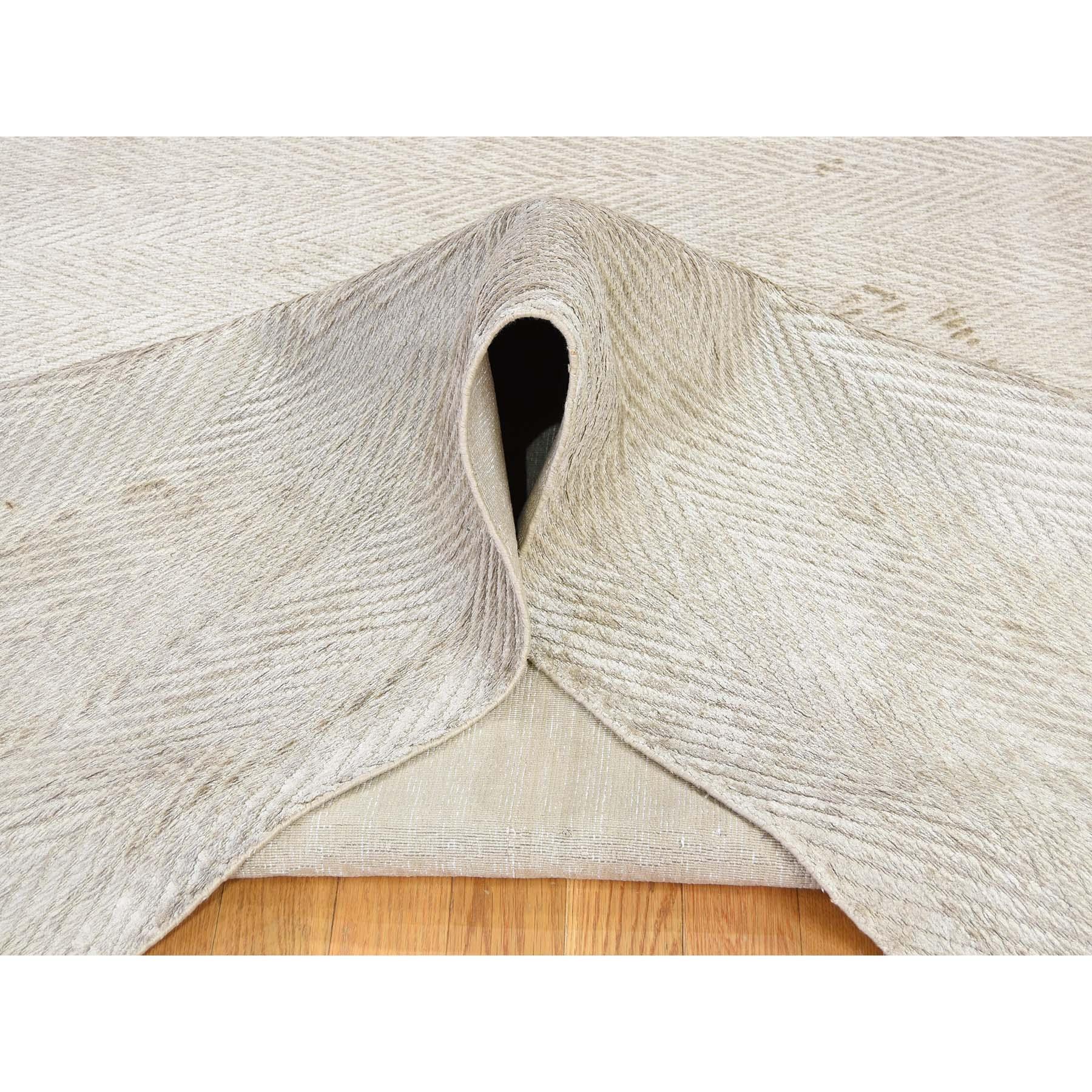 8-8 x11 8 Hand-Loomed Art Silk Tone on Tone Oriental Rug