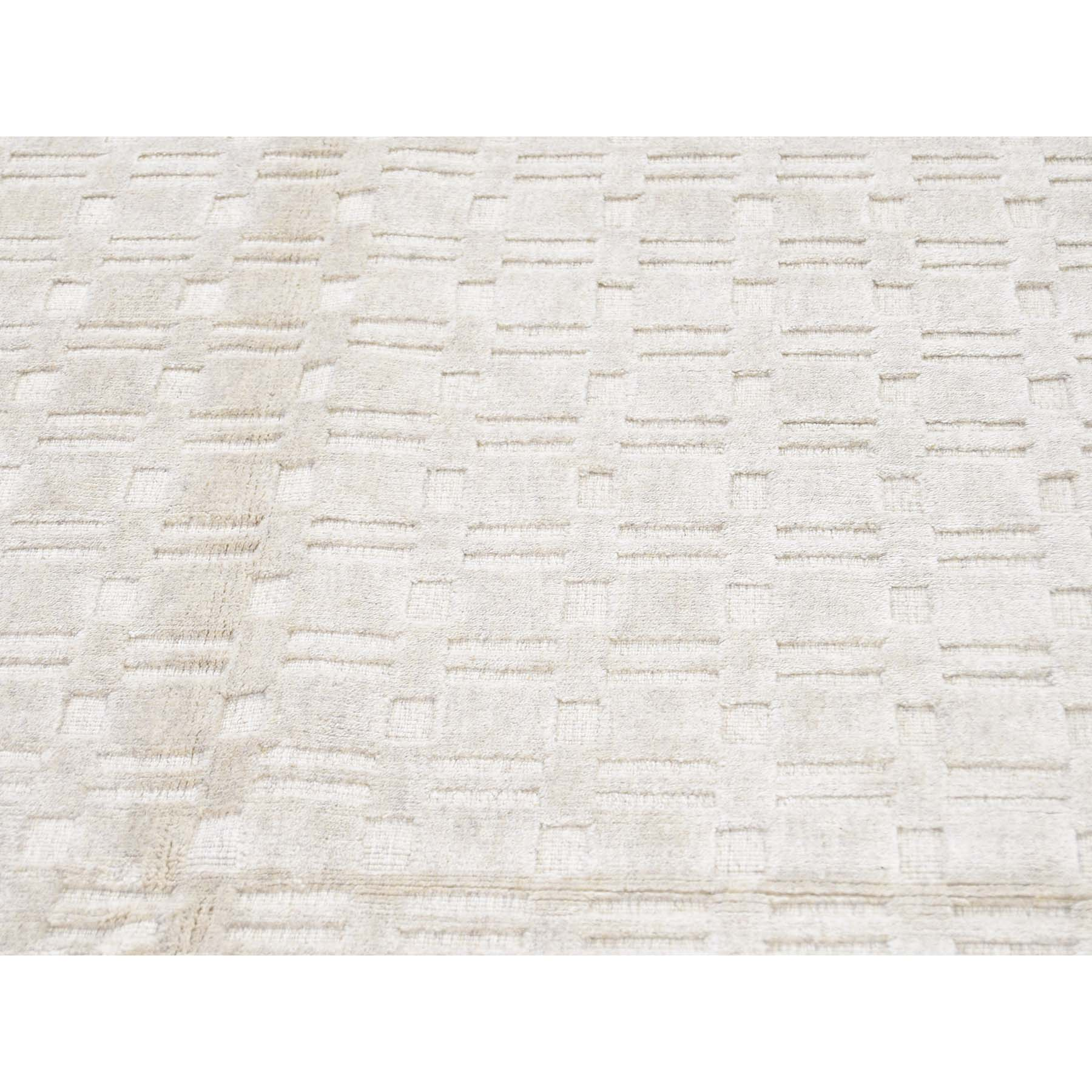5-1 x7-1  Hand-Loomed Pure Wool Tone on Tone Oriental Rug