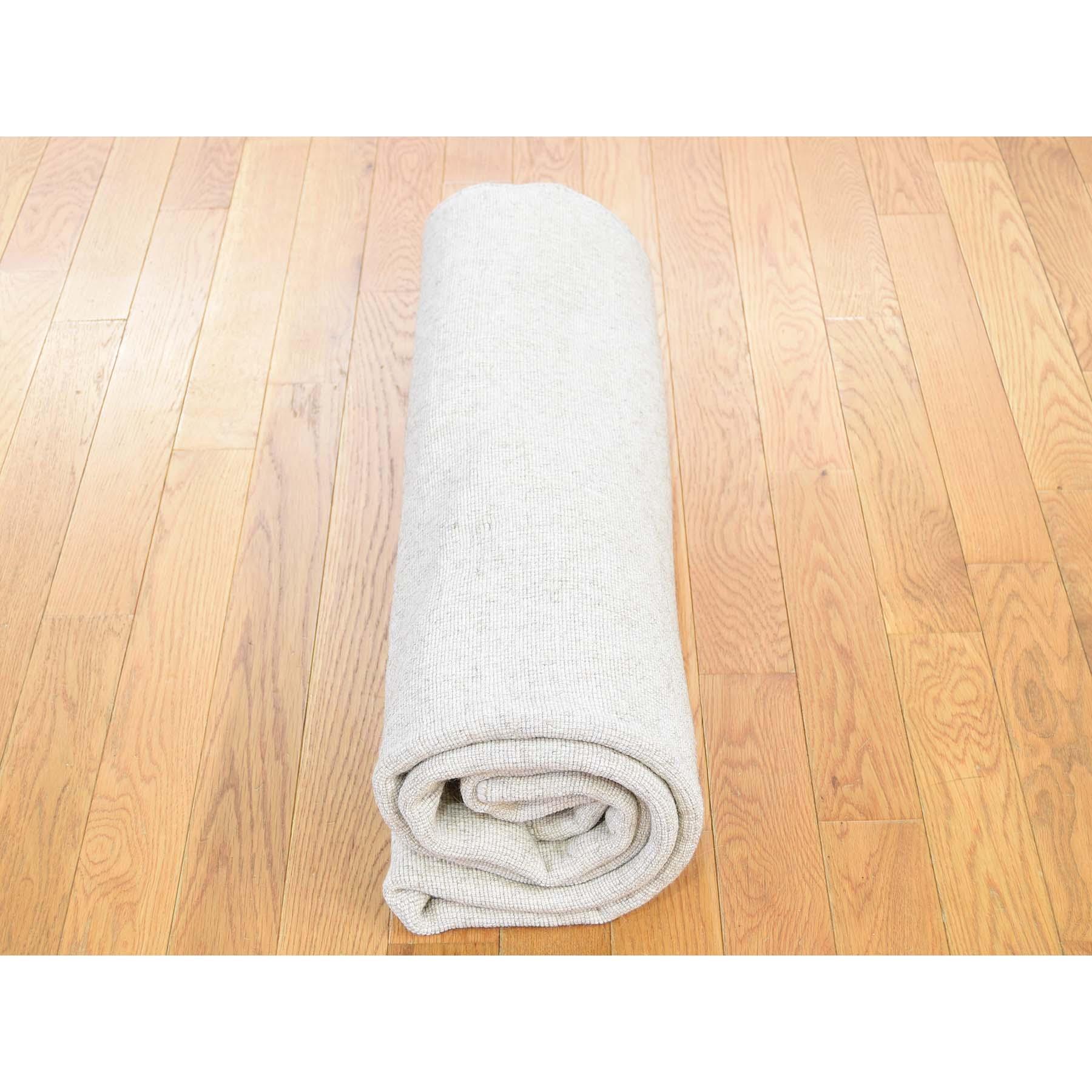 5-x7- Hand-Loomed Pure Wool Tone on Tone Oriental Rug
