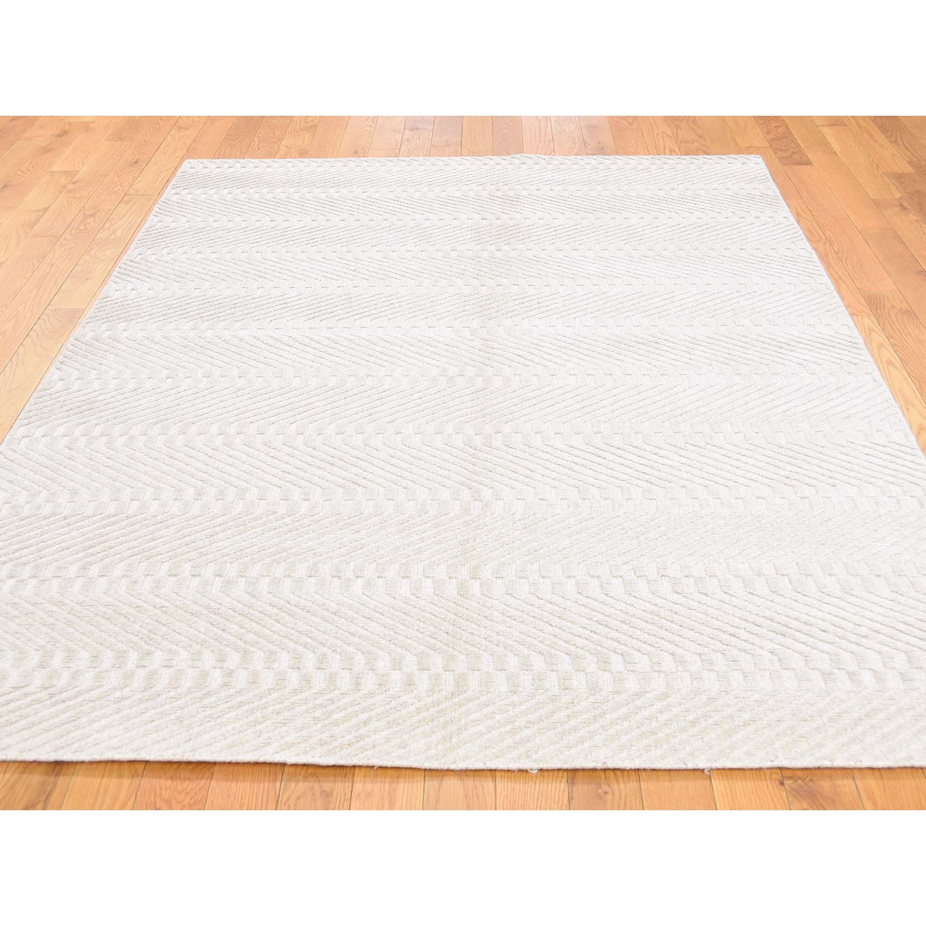 5-x7- Hand-Loomed Tone on Tone Pure Wool Oriental Rug