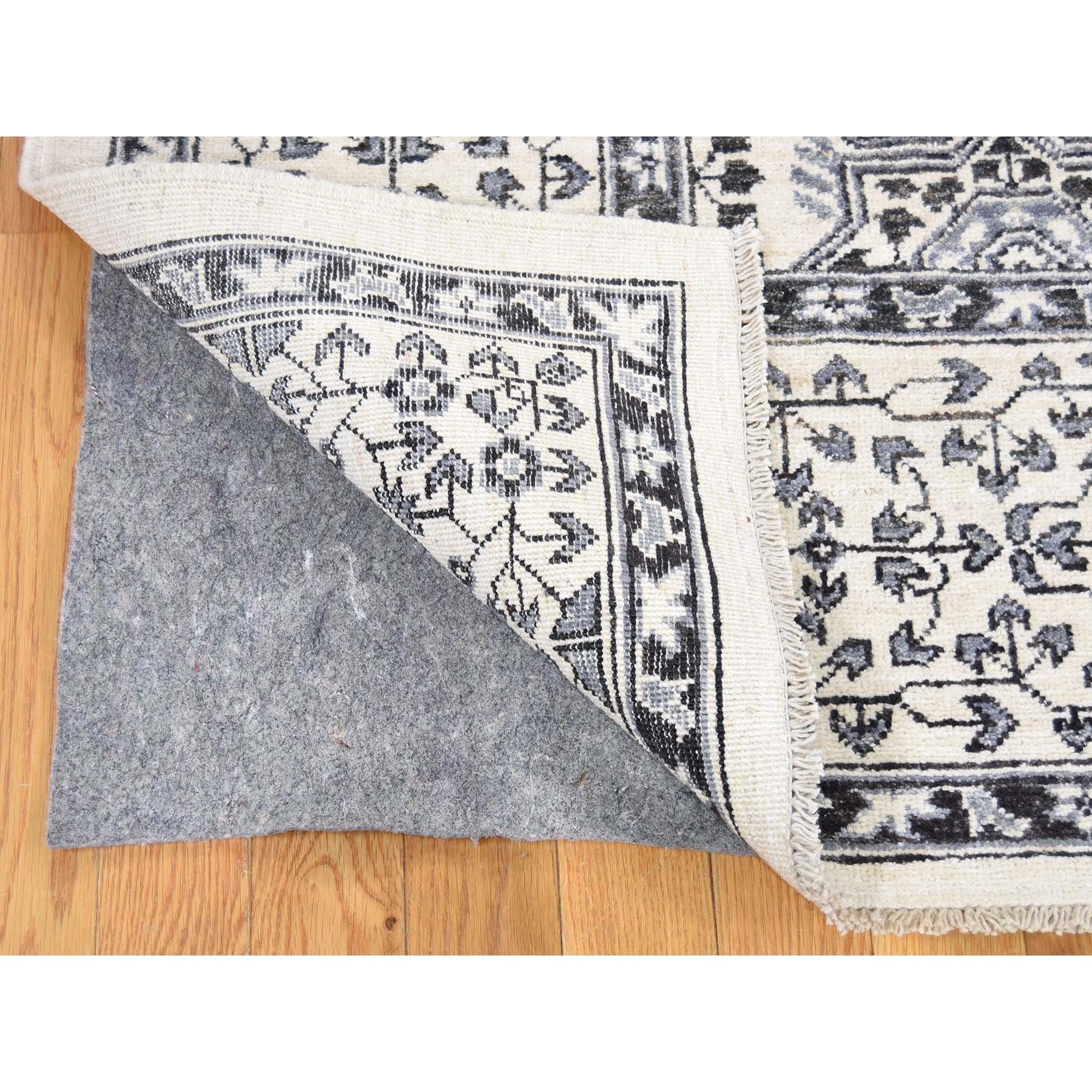 5-x5-1  Pure Wool Karajeh Design Hand-Knotted Round Oriental Rug