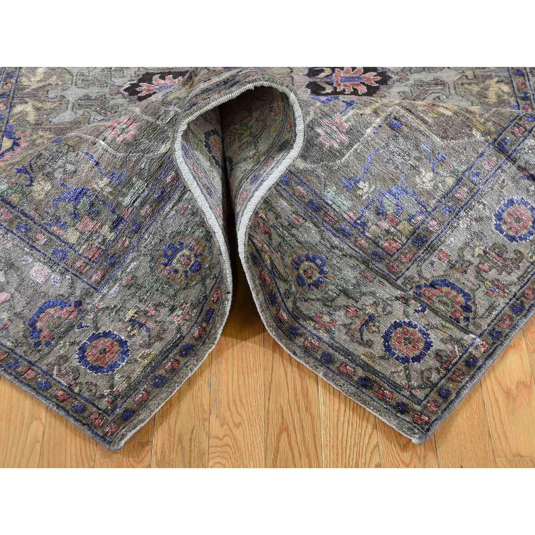 5-x7- Hand-Knotted Heriz Design Wool and Silk Plush Oriental Rug
