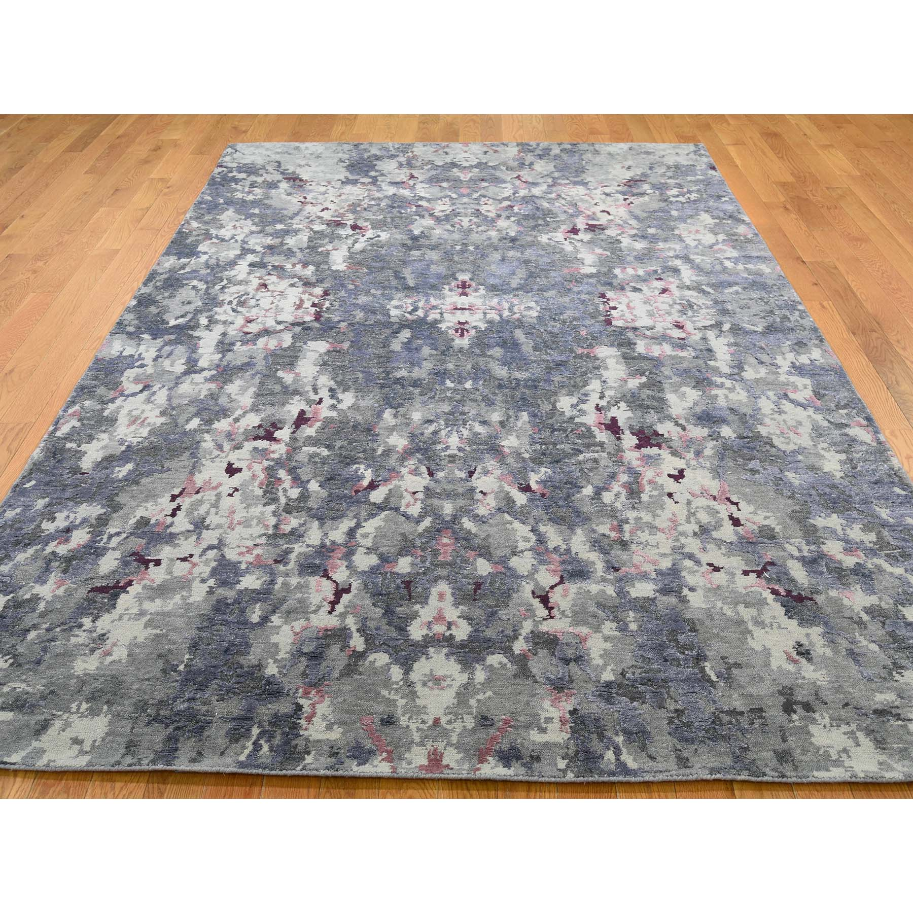 6-x8-10  Abstract Design Wool And Silk Hand-Knotted Rug