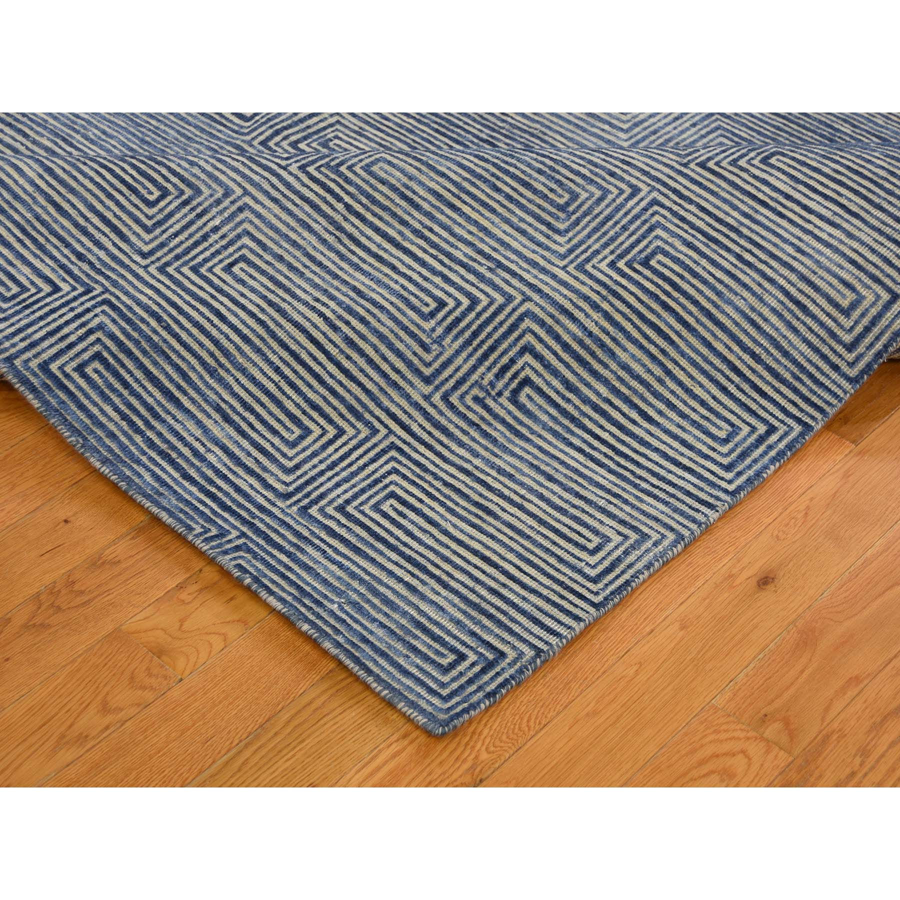 8-x10- Wool And Silk Maze Design Hand Knotted Oriental Rug