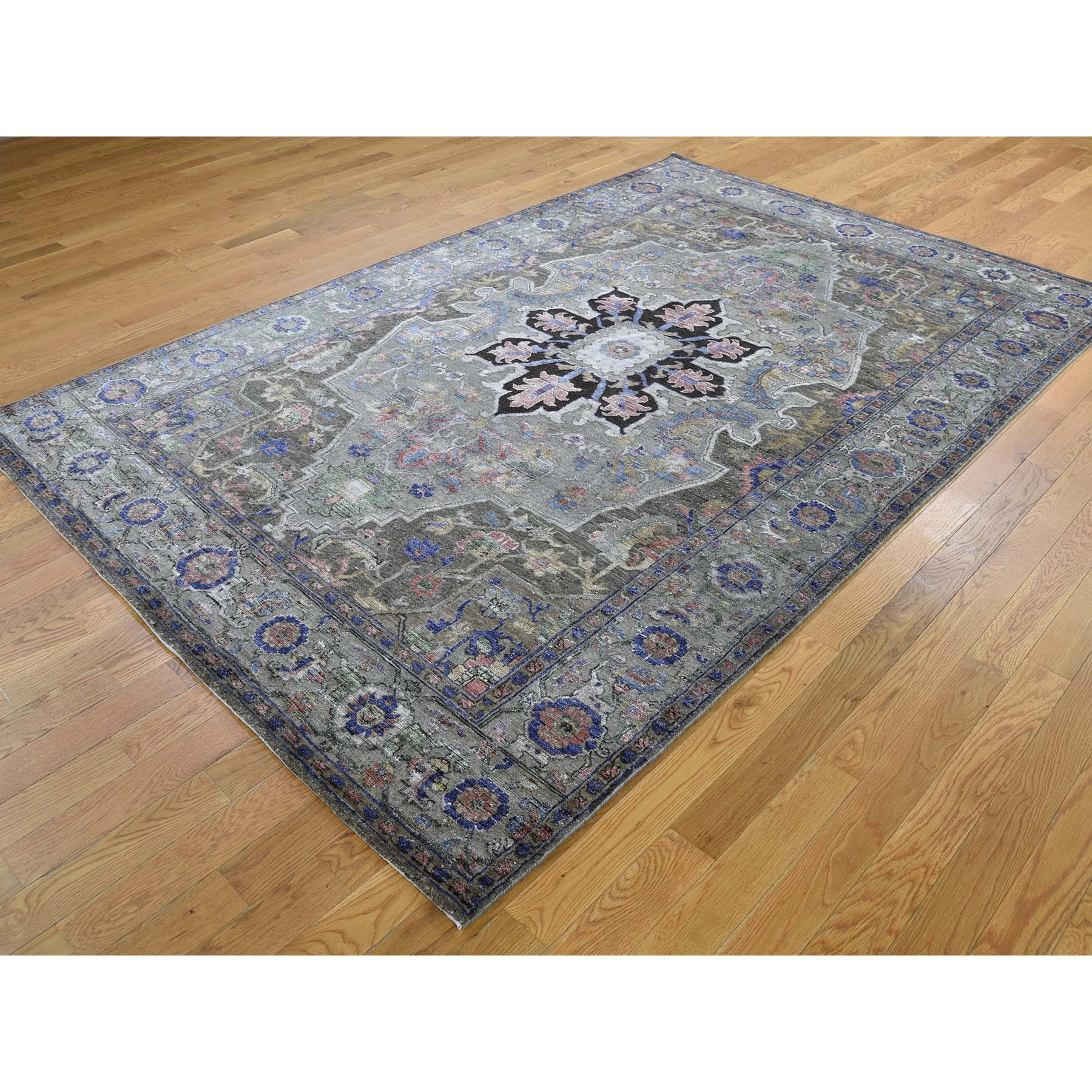 6-x9- Heriz Design Wool and Silk Hand-Knotted Oriental Rug