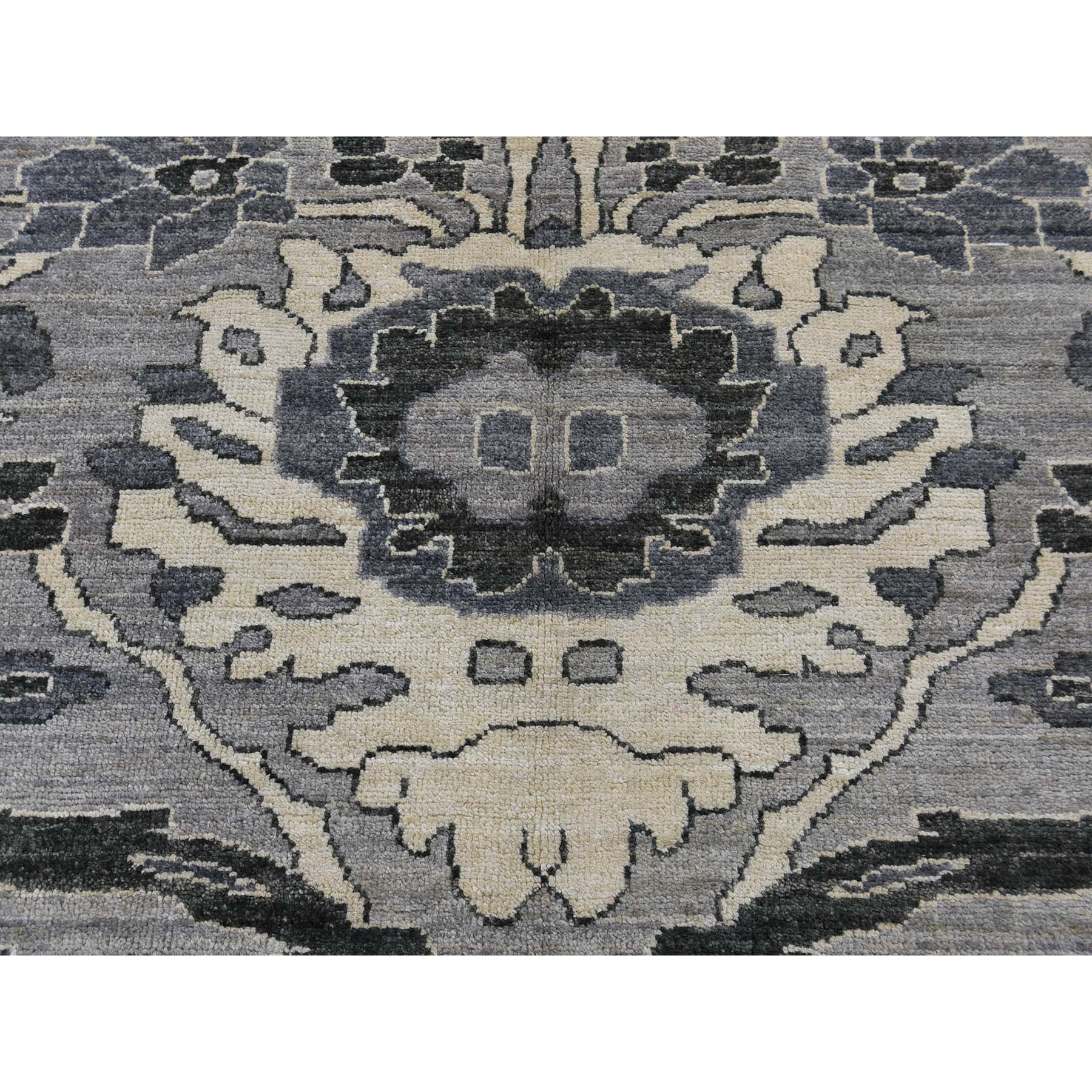 8-2 x9-10  Mahal Design Undyed Natural Wool Hand-Knotted Oriental Rug
