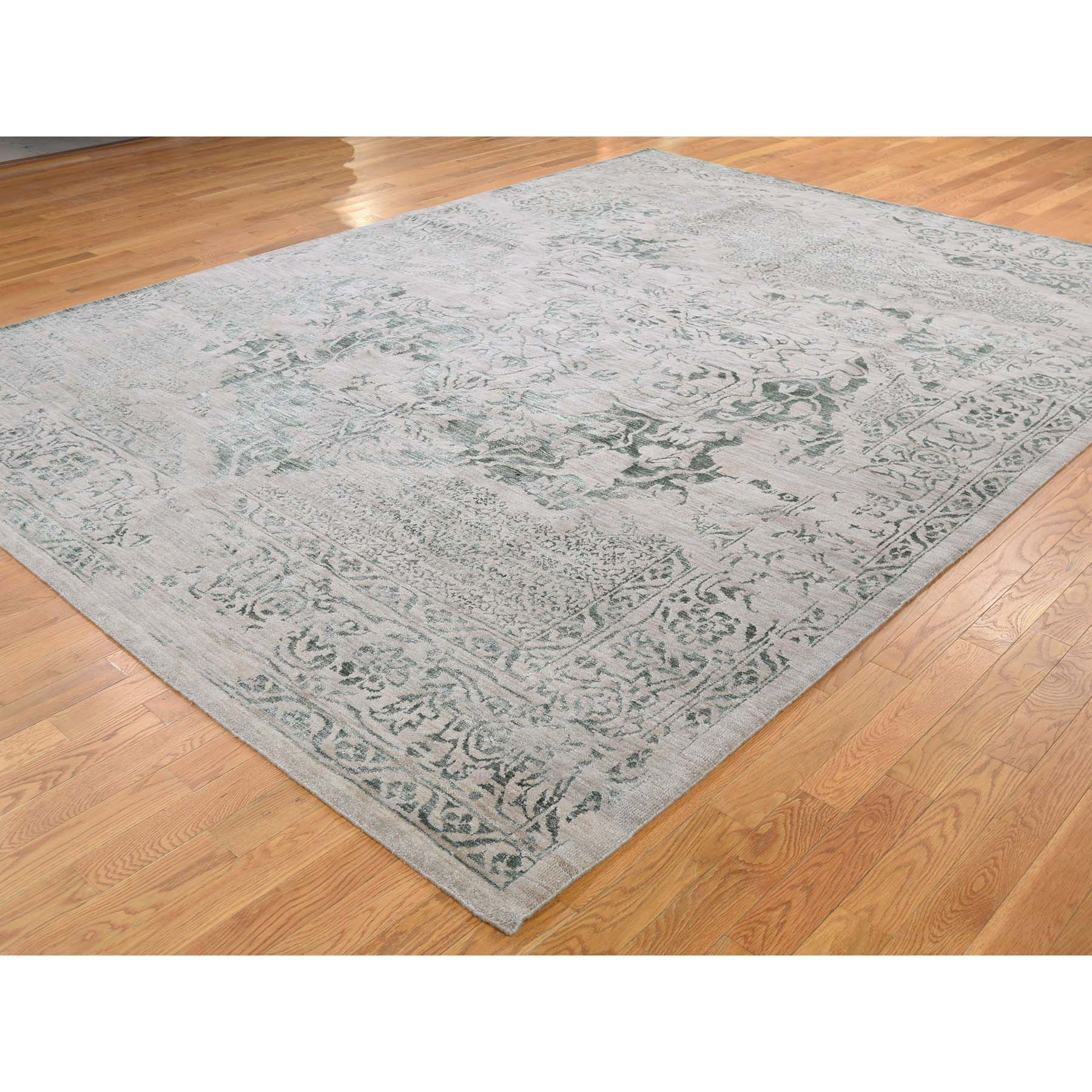 8-10 x12- Hand-Knotted Wool and Silk Broken Heriz Design Oriental Rug