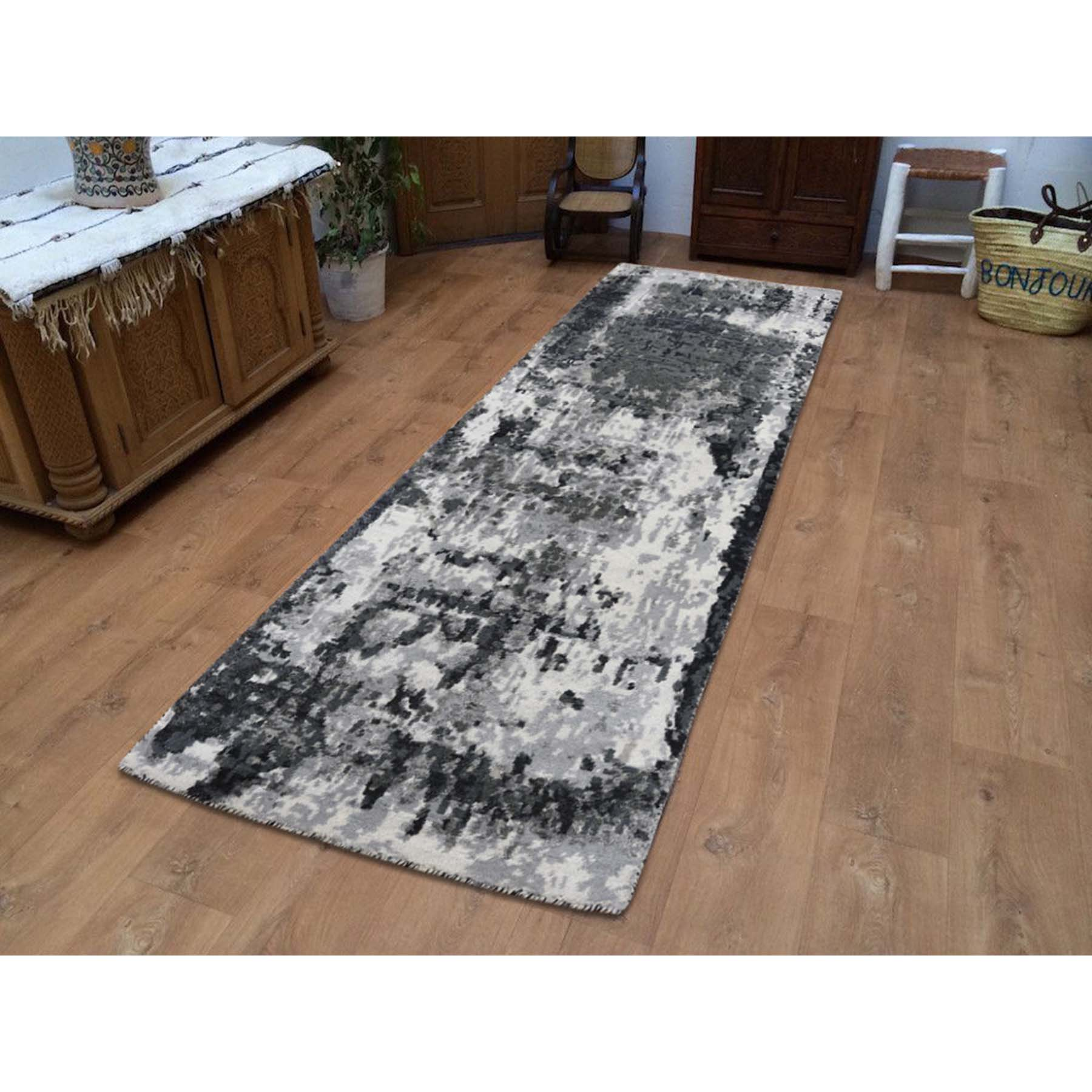 2-7 x6-2  Wool And Silk Hi-Low Pile Runner Abstract Design Hand-Knotted Oriental Rug
