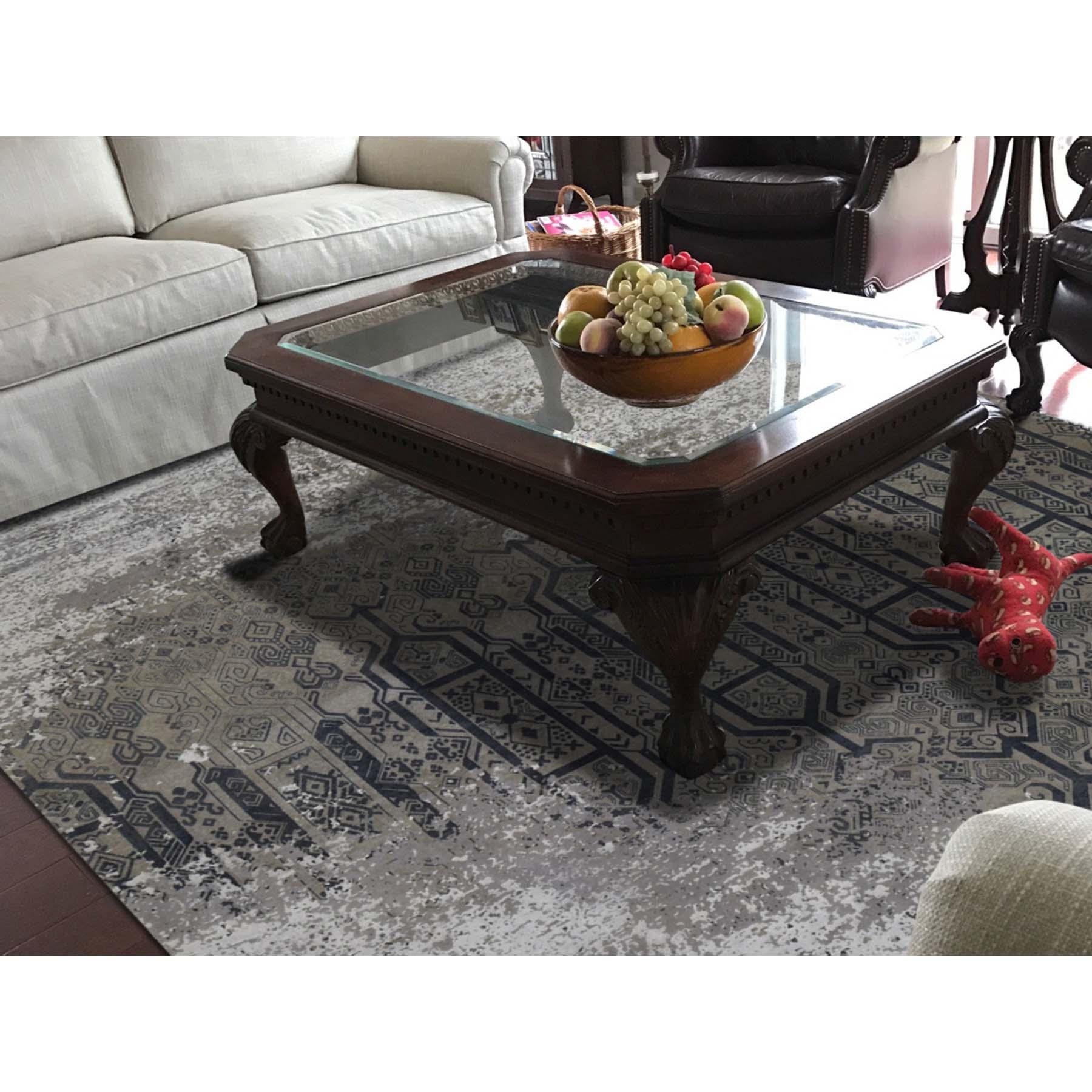 """8'x9'10"""" Dense Weave Broken Design Art Silk Hand-Knotted Oriental Rug"""