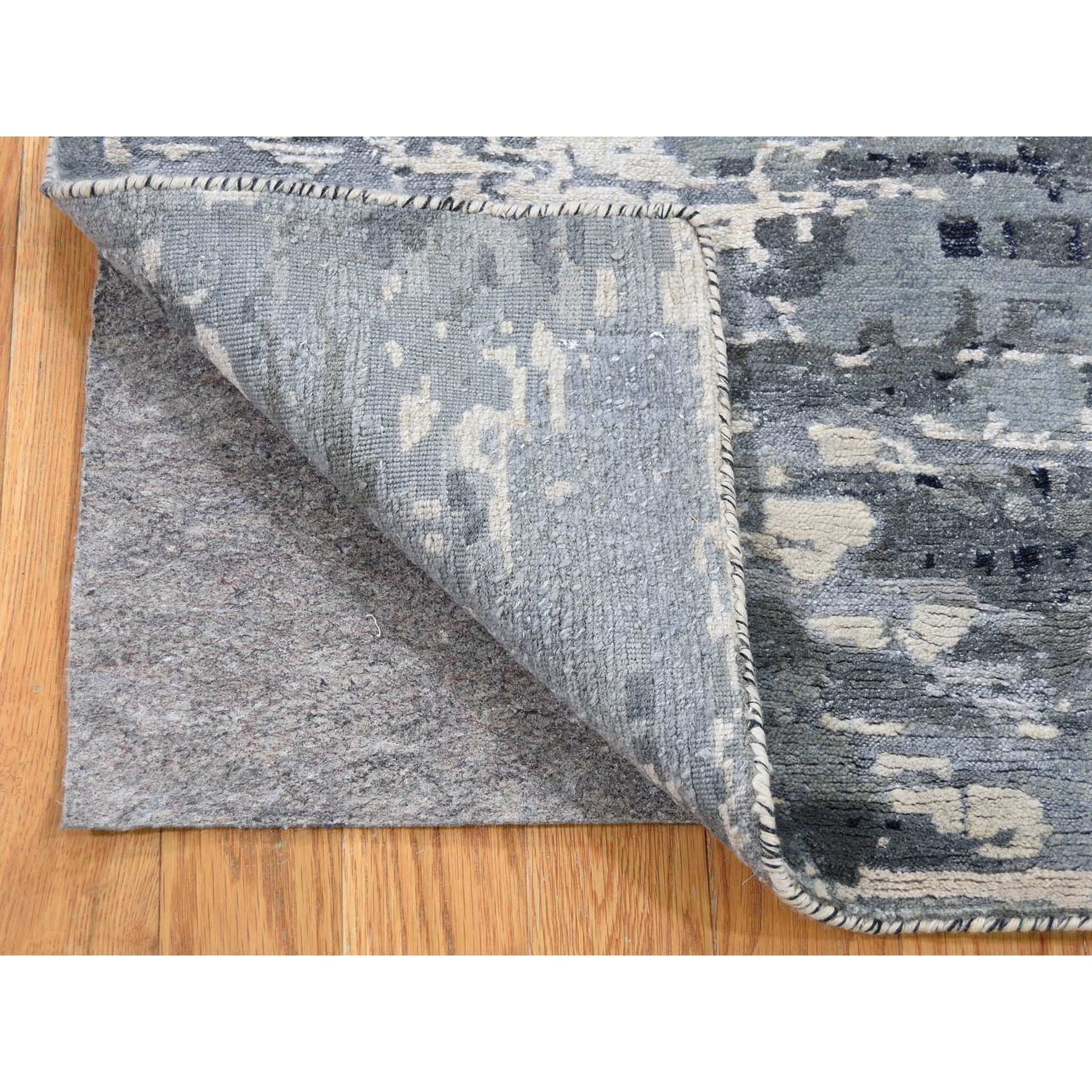 """2'x2'10"""" Hi-Low Pile Abstract Design Wool And Silk Hand-Knotted Oriental Rug Mat"""