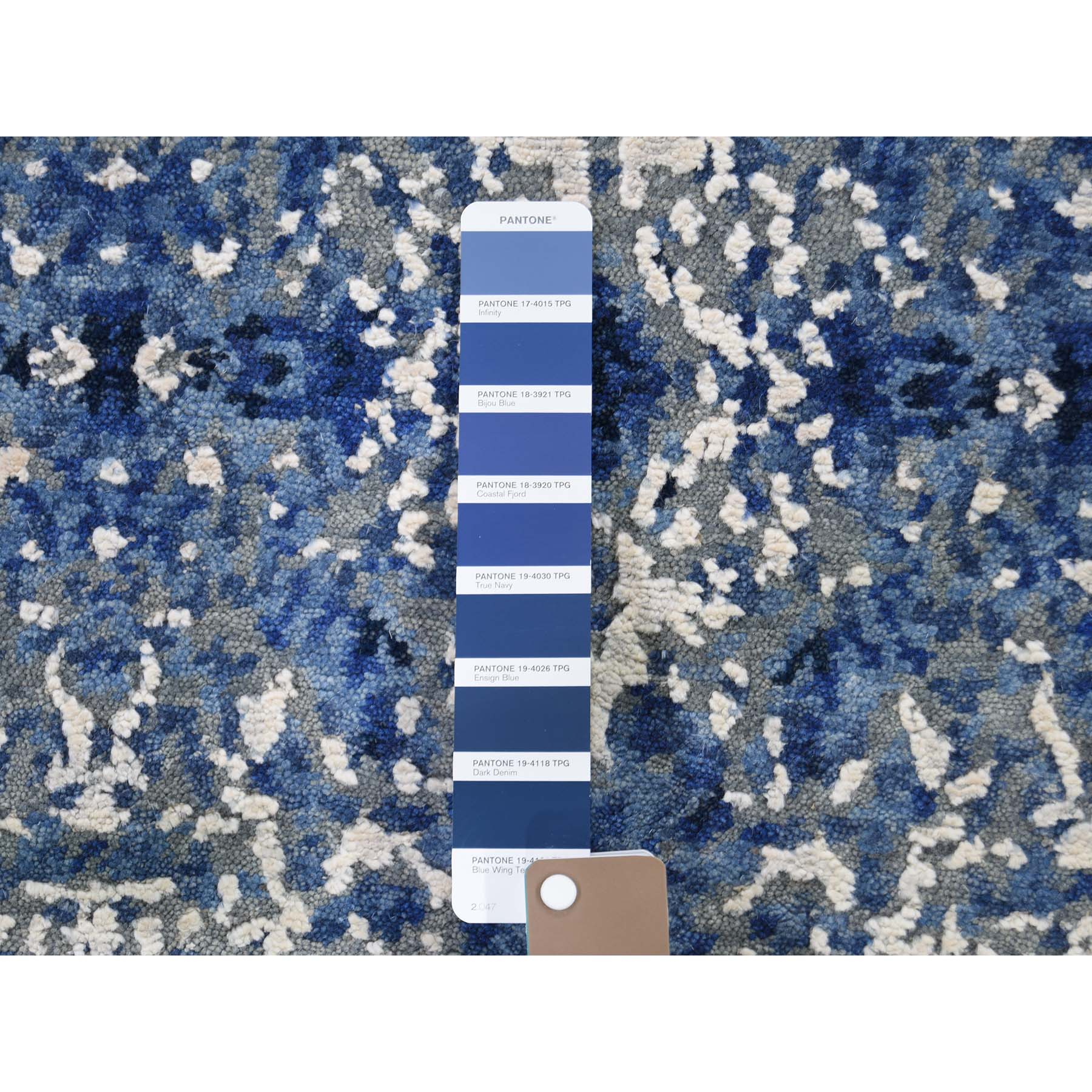 2-x3- Abstract Design Wool and Silk Hand-Knotted Oriental Rug