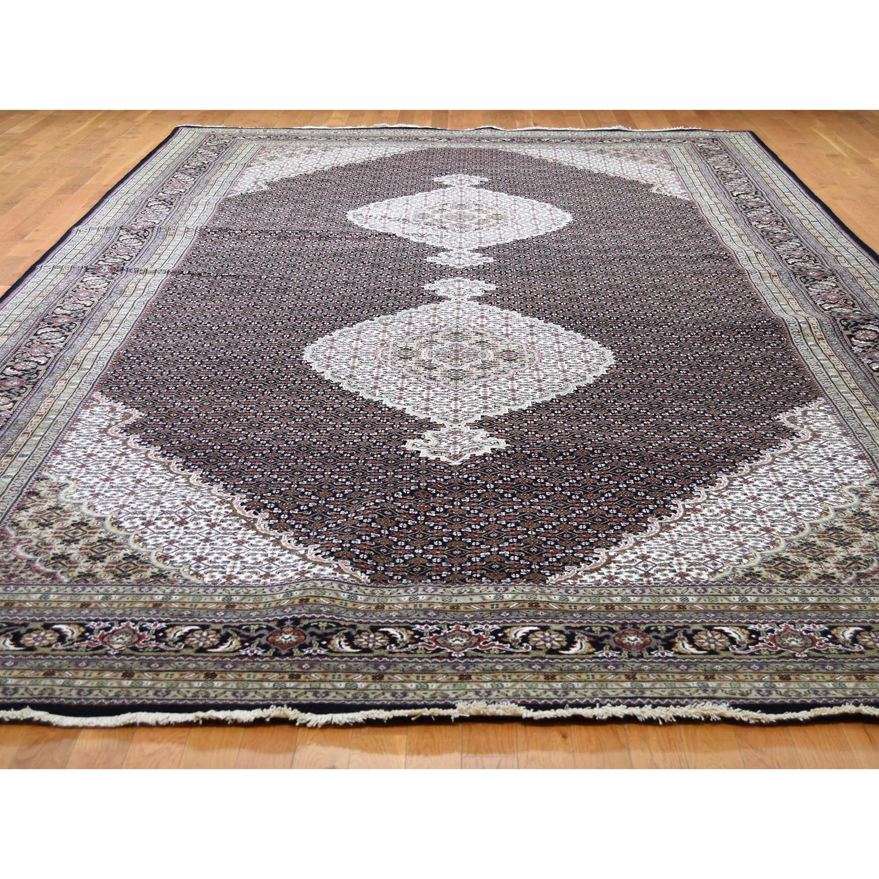 9-x18-2  Gallery Size Tabriz Mahi Design Wool and Silk Hand-Knotted Oriental Rug