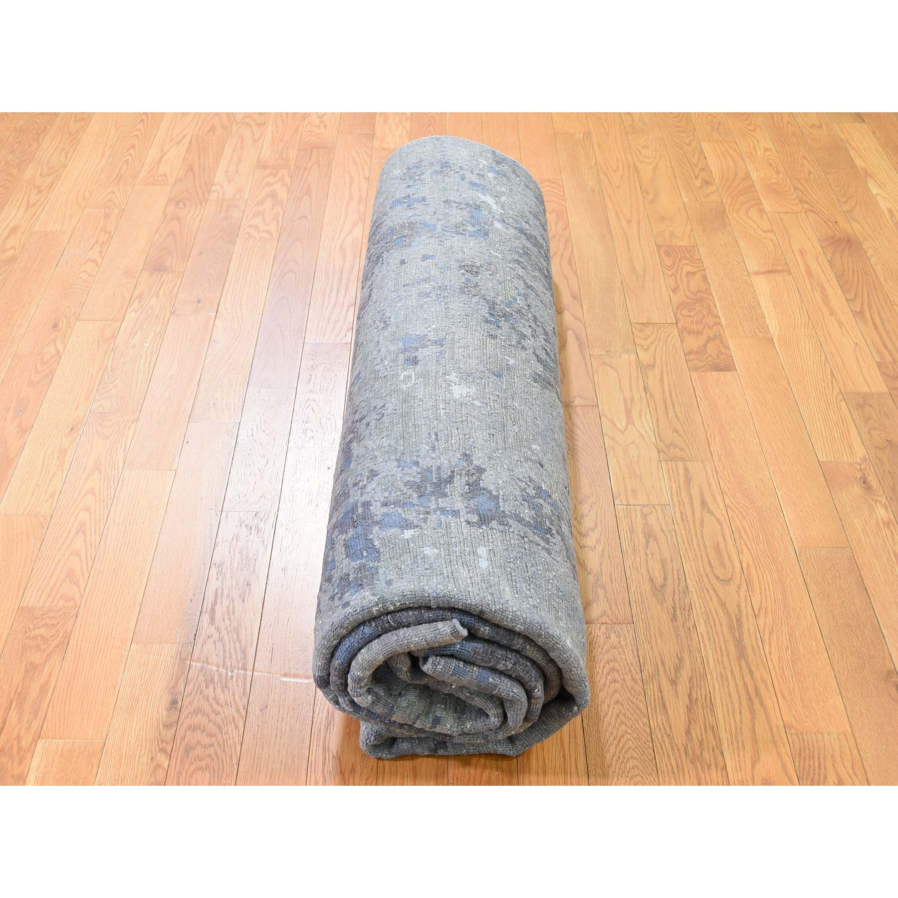 """7'10""""x9'9"""" Modern Hi-Low Pile Abstract Design Wool And Silk Hand-Knotted Modern Rug"""