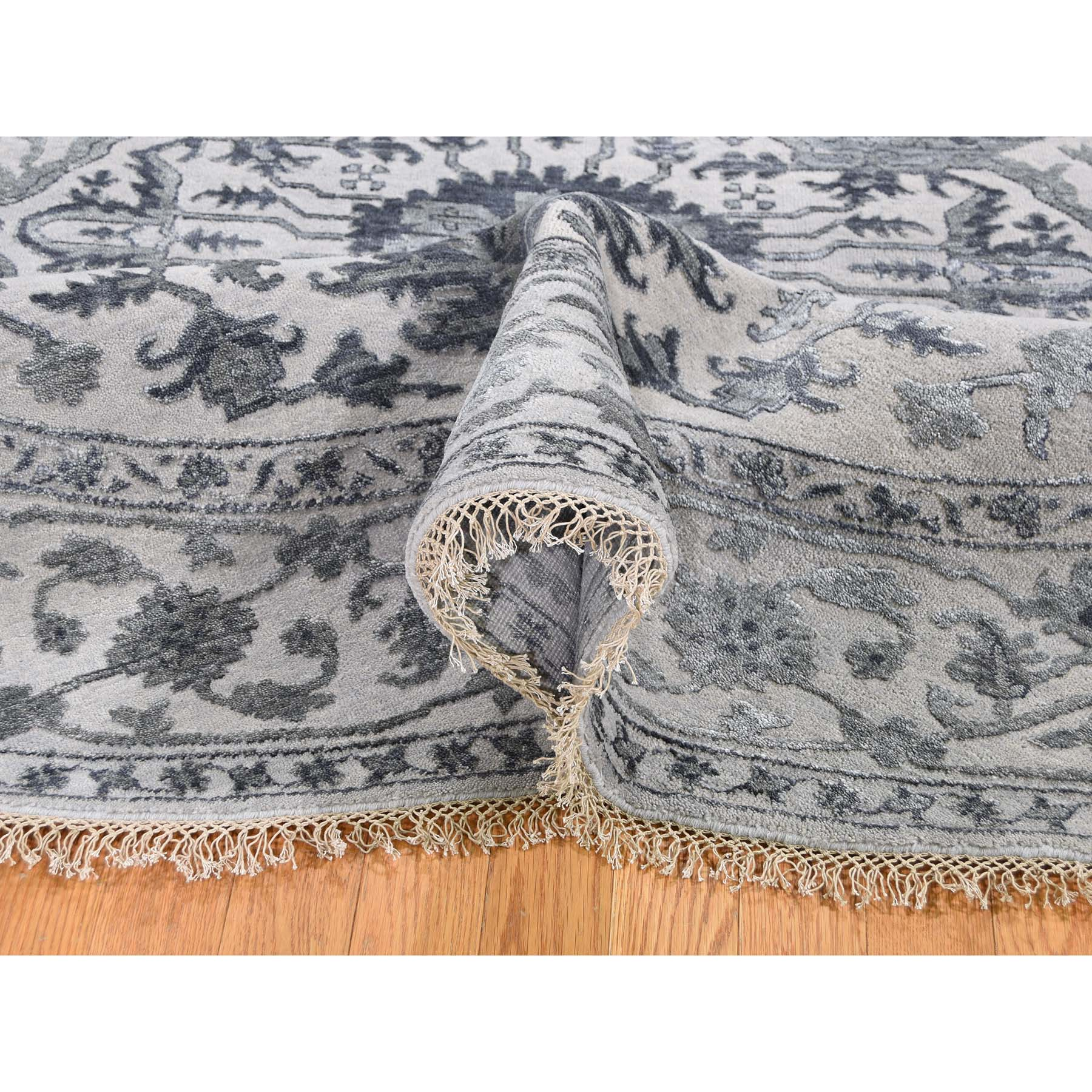 10-x10- Silver Heriz Design Wool And Silk Hi-lo Pile Round Hand-Knotted Oriental Rug