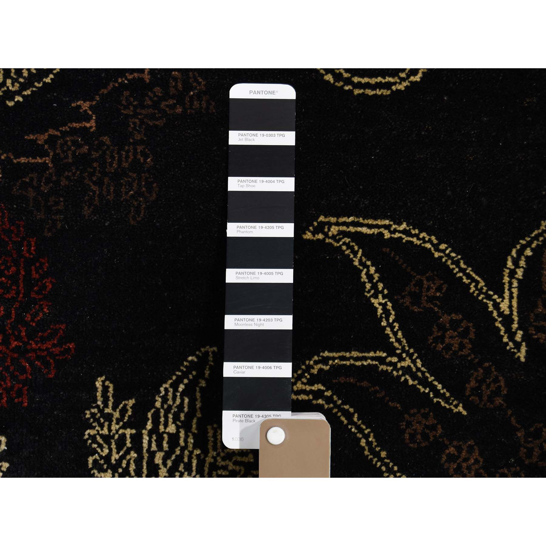 8-1 x10- Black Modern Tulip and Paisley Design Hand Knotted Oriental Rug