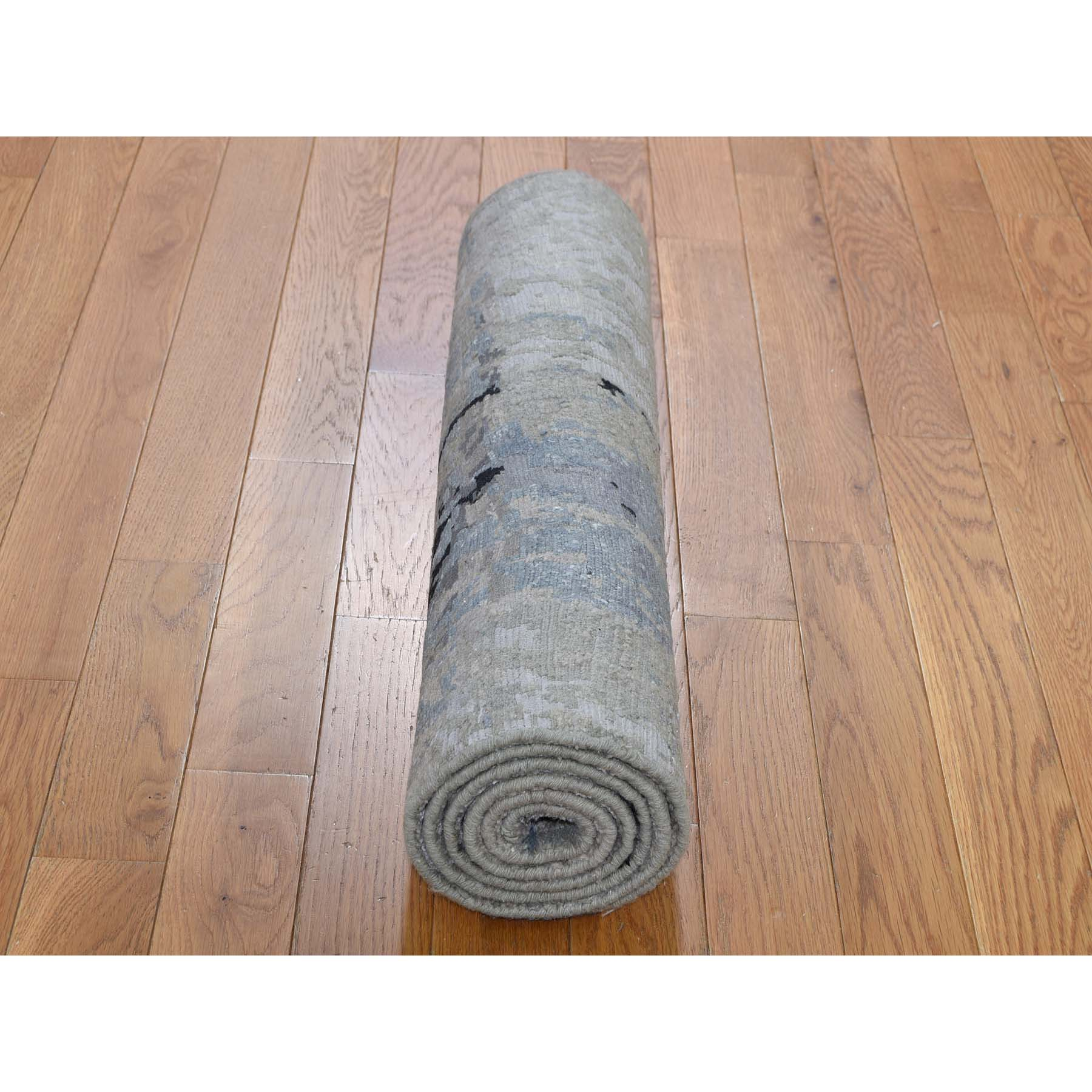 "2'7""x5'9"" Gray Hi low Pile Abstract Design Runner Wool And Silk Hand-Knotted Oriental Rug"