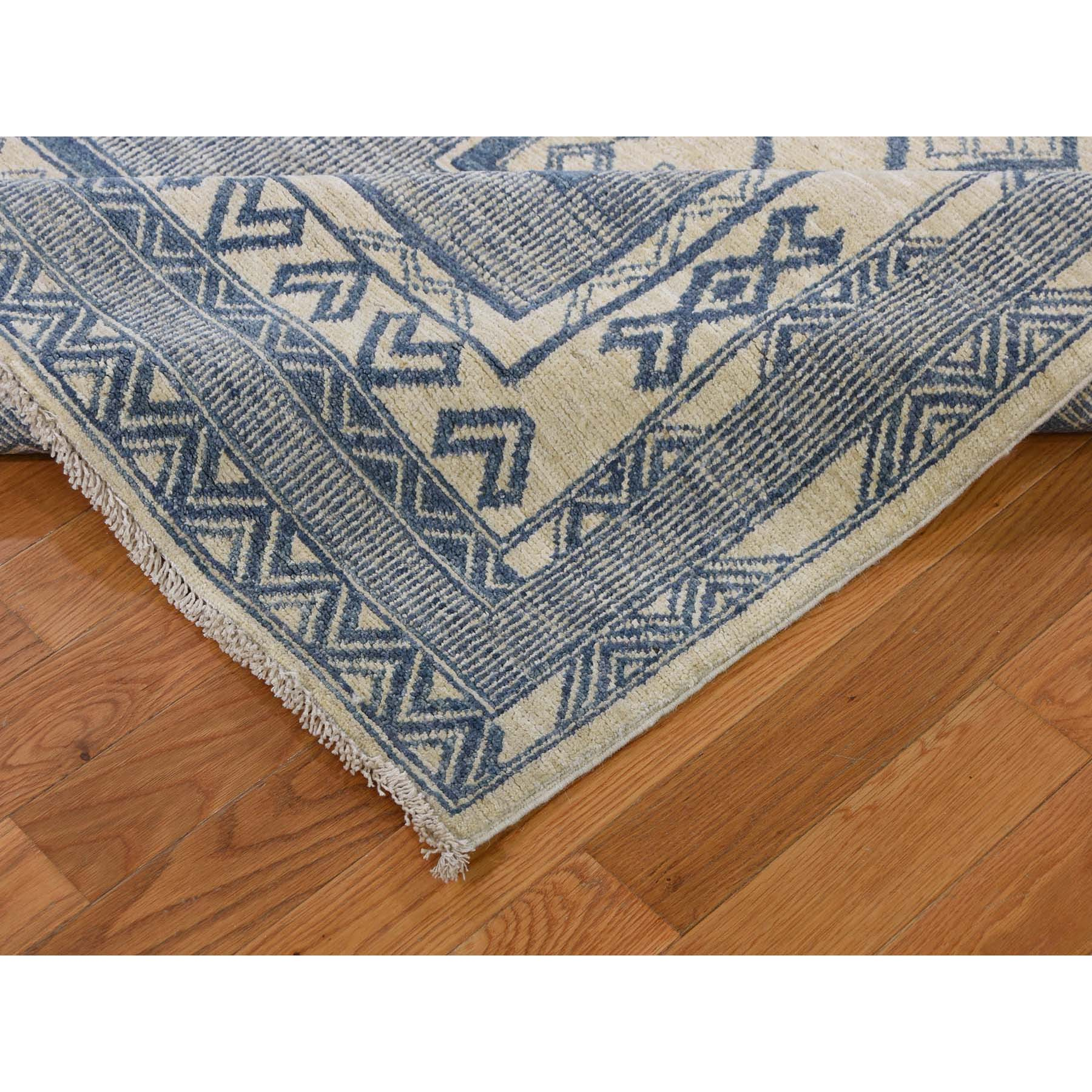8-2 x10-3  Hand-Knotted Pure Wool Peshawar with Southwestern Motifs Oriental Rug