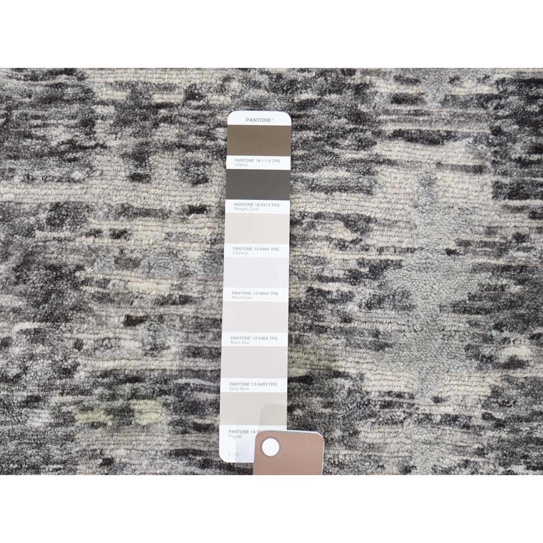"11'10""x11'10"" Hand Spun Undyed Natural Wool Gray Modern Round Oriental Hand-Knotted Rug"