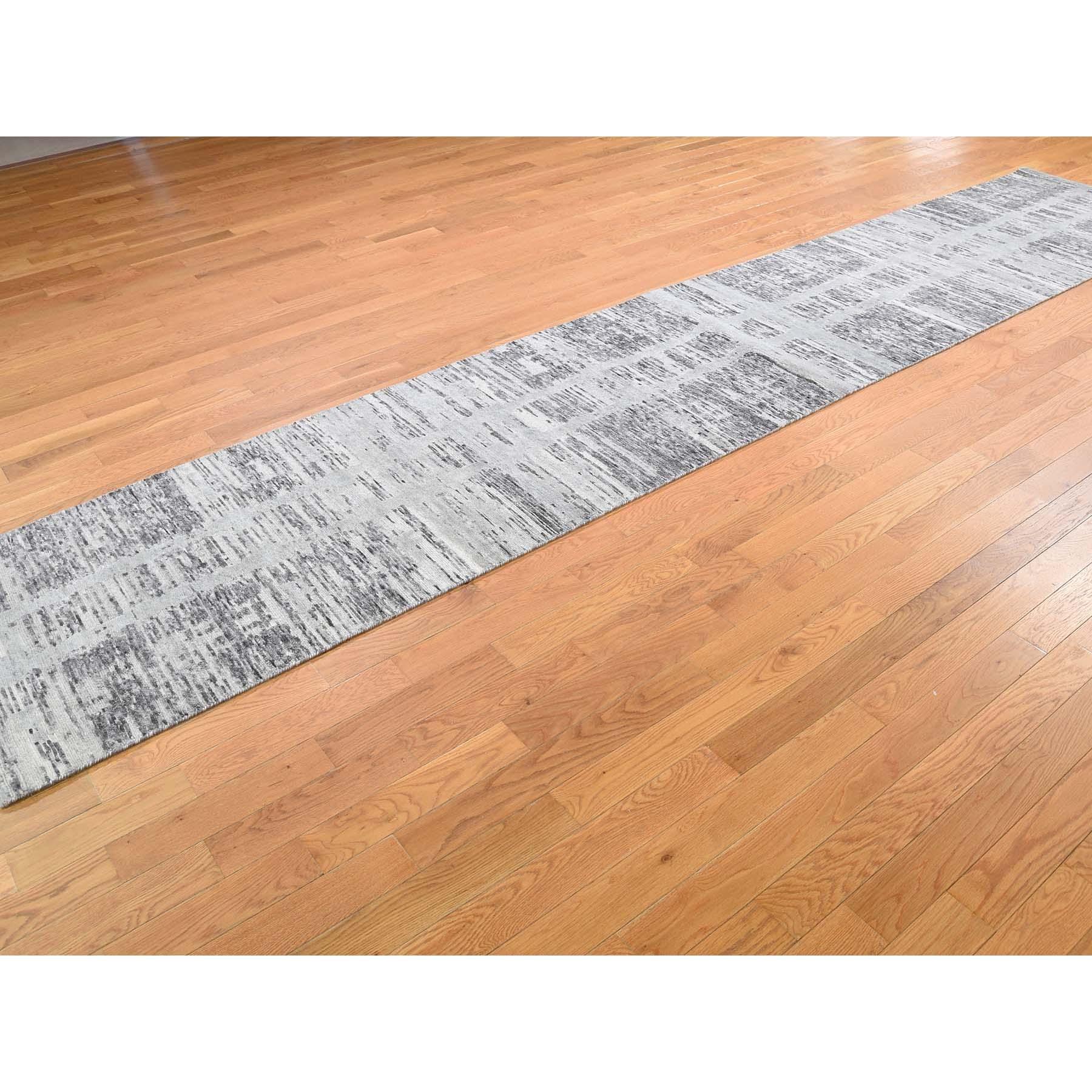 """2'6""""x12' Gray Hand Spun Undyed Natural Wool Modern Runner Oriental Hand-Knotted Rug"""