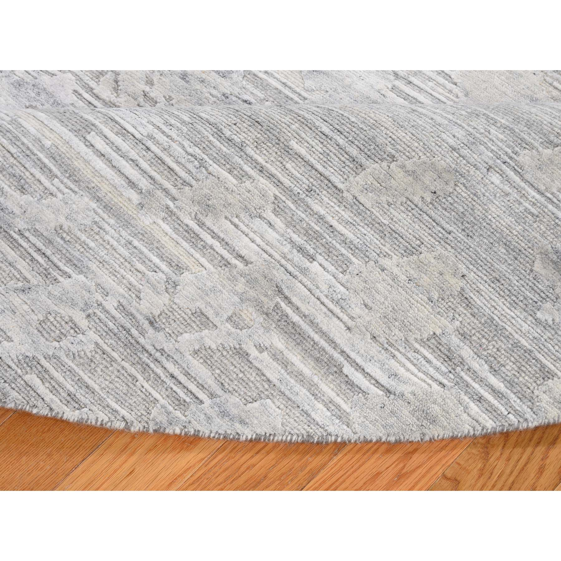 "8'1""x8'1"" Silver Round Hand Spun Undyed Natural Wool Modern Hand-Knotted Oriental Rug"