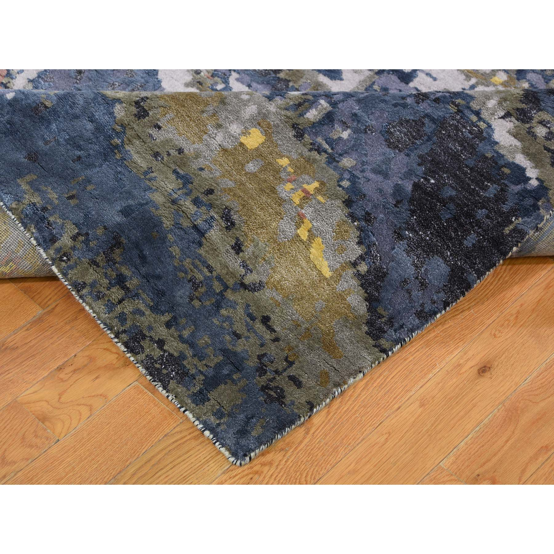 9-x12-1  Abstract Design Wool And Pure Silk Hand-Knotted Oriental Rug