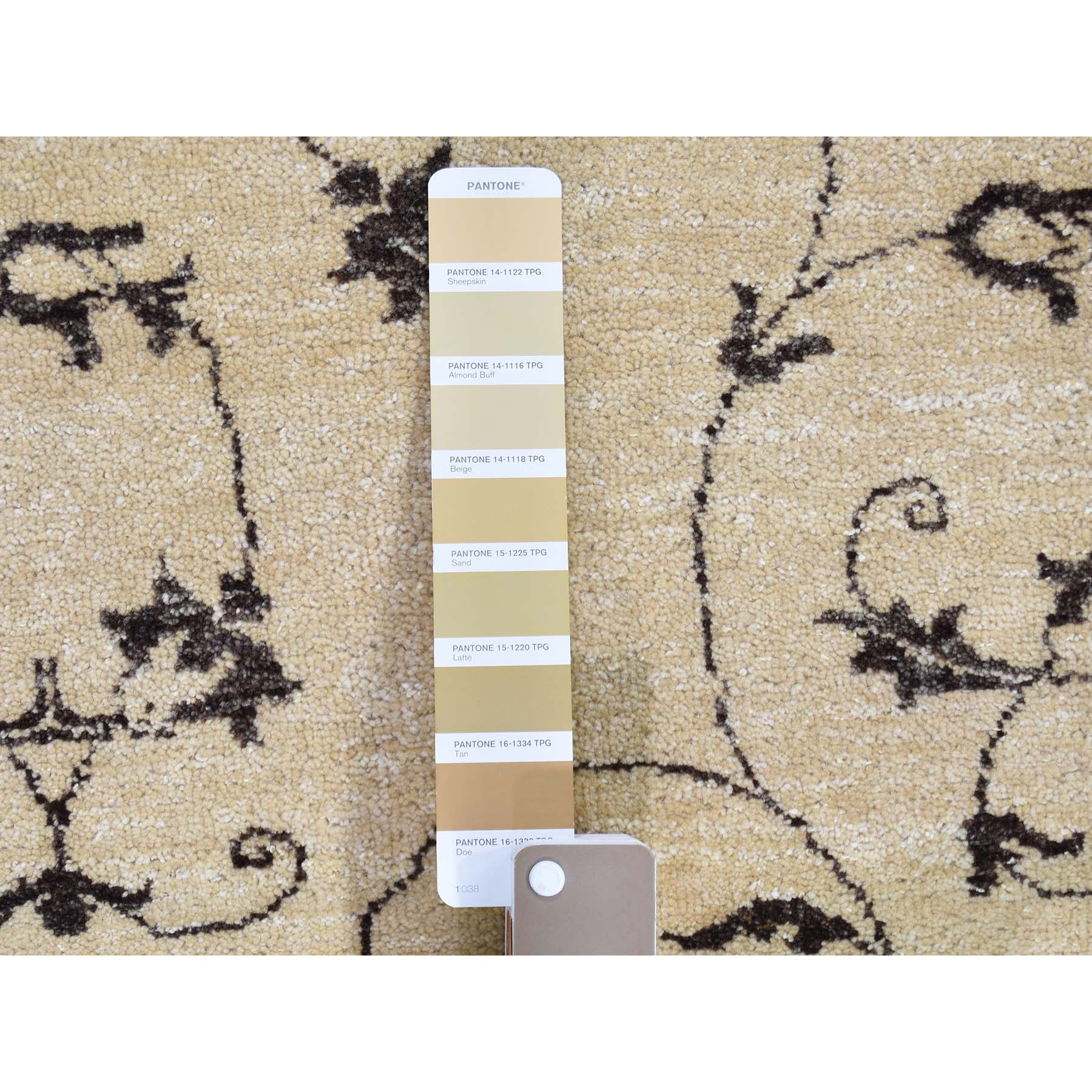 4-7 x6-4  Modern Tone on Tone Beige Hand Knotted Pure Wool Oriental Rug