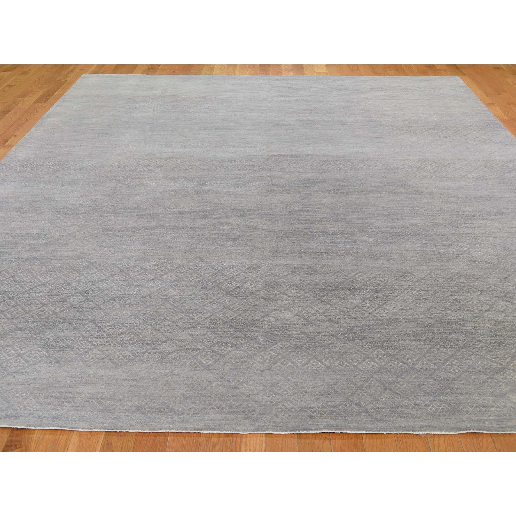"""8'10""""x11'10"""" Gray Modern Tone on Tone Wool and Silk Hand Knotted Oriental Rug"""