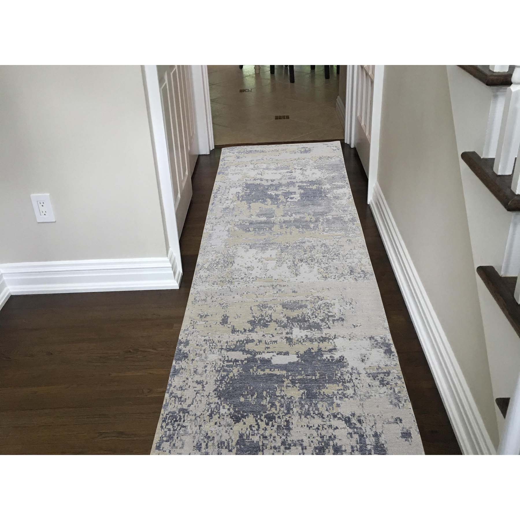 """2'8""""x10' Hi-Low Pile Abstract Design Wool And Silk Runner Hand-Knotted Oriental Rug"""