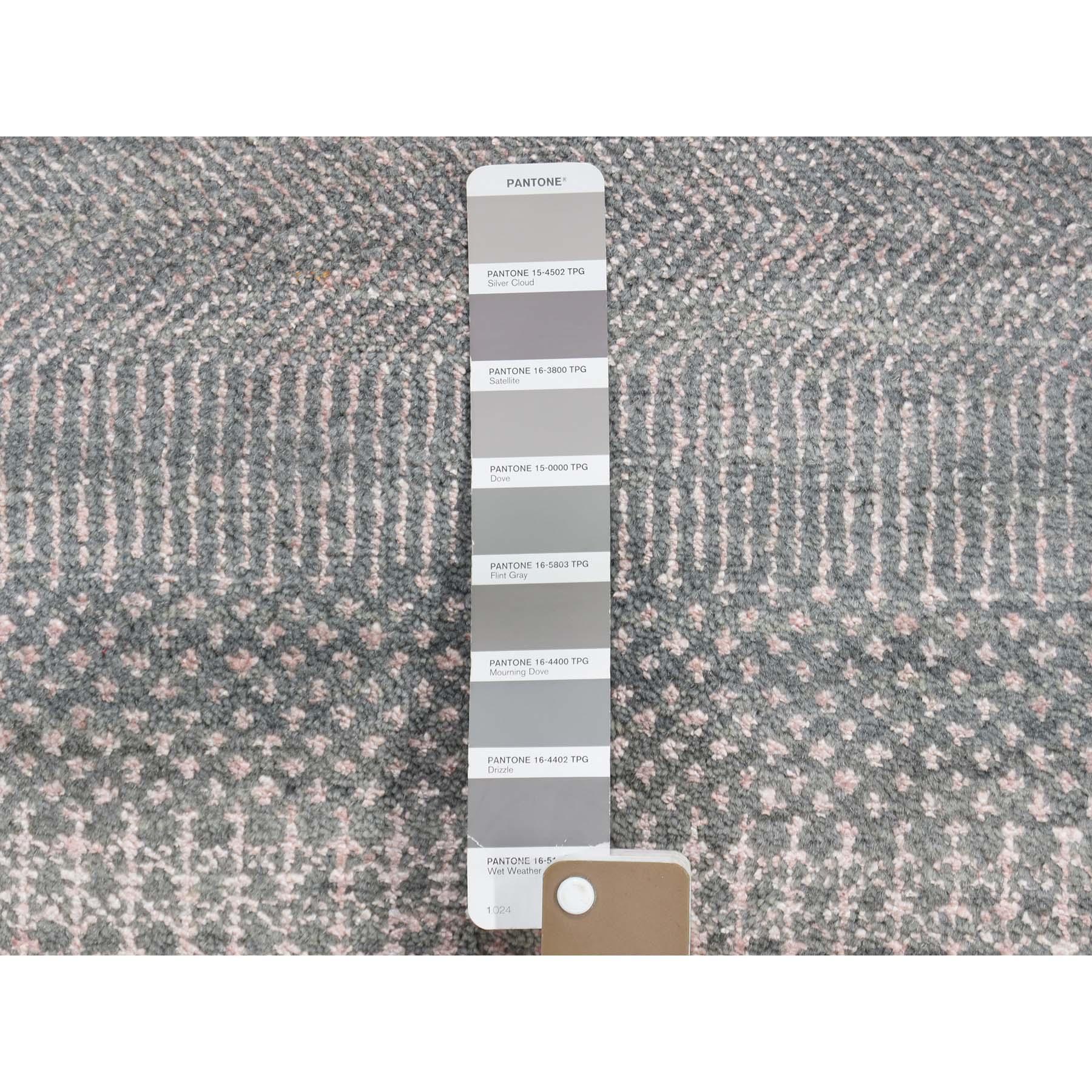 6-x6- Round Wool and Silk Grass Design Hand-Knotted Oriental Rug