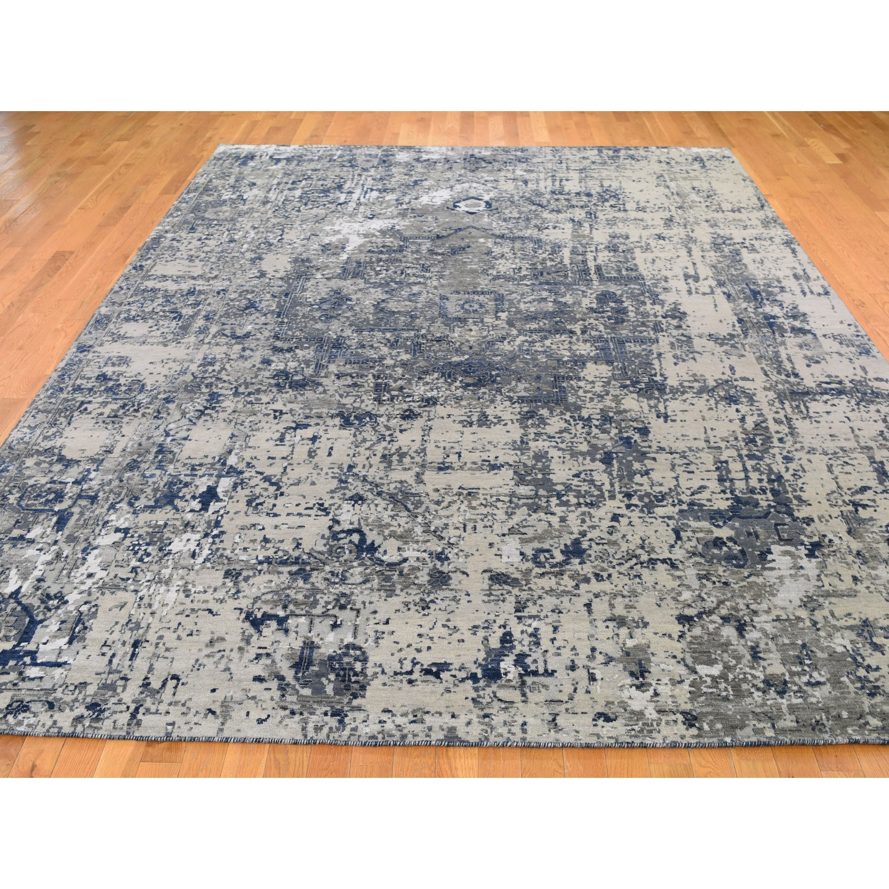 9'x12' Blue-Gray Erased Heriz Design Wool and Silk Hand-Knotted Fine Oriental Rug