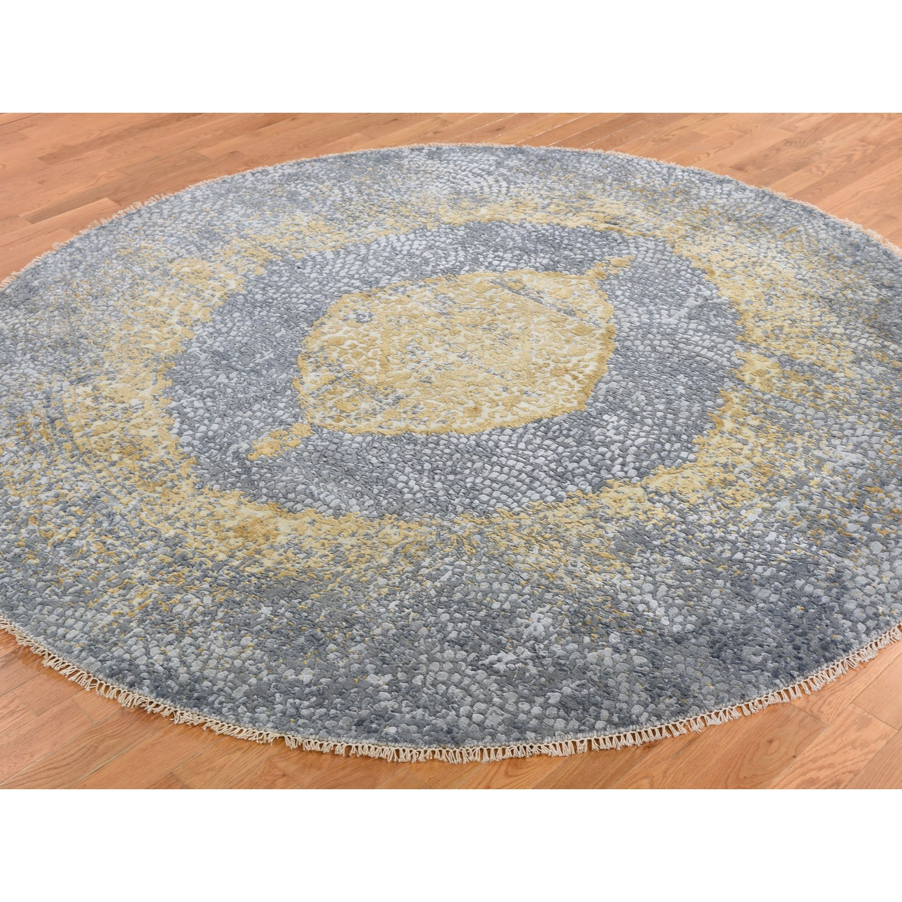 7-10 x7-10  Round Gray Gold Persian Design Wool And Pure Silk Hand Knotted Oriental Rug