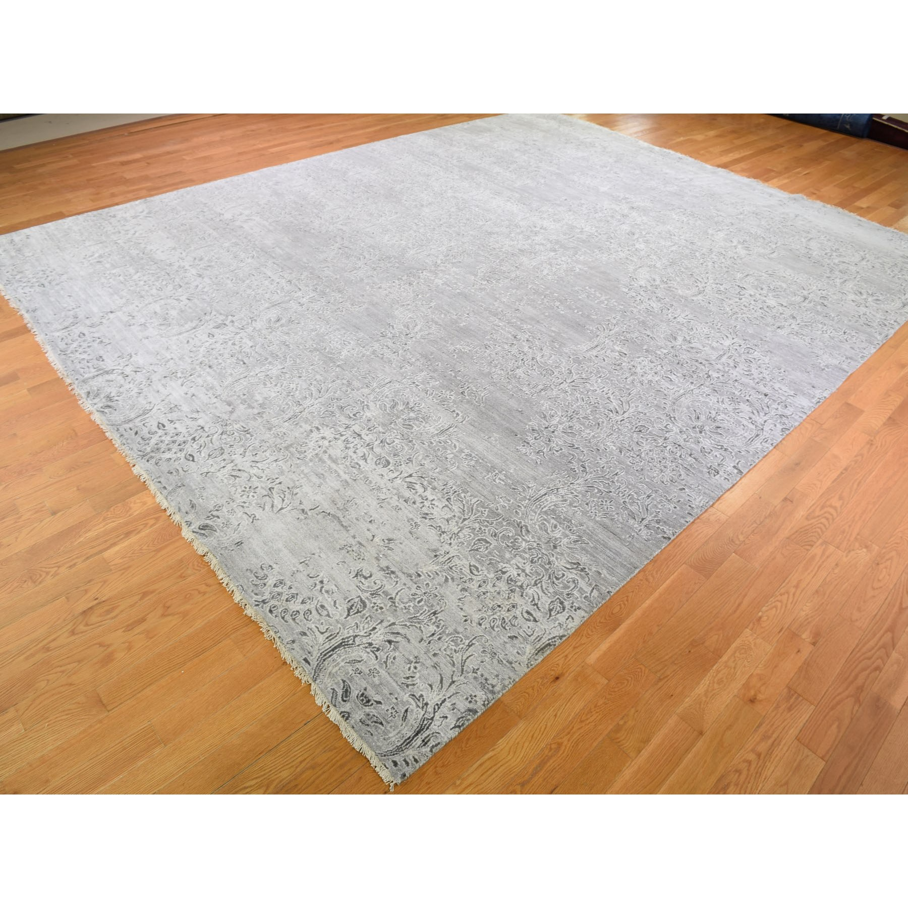 11-9 x14-10  Oversize Gray Damask Tone On Tone Wool and Silk Hand-Knotted Oriental Rug