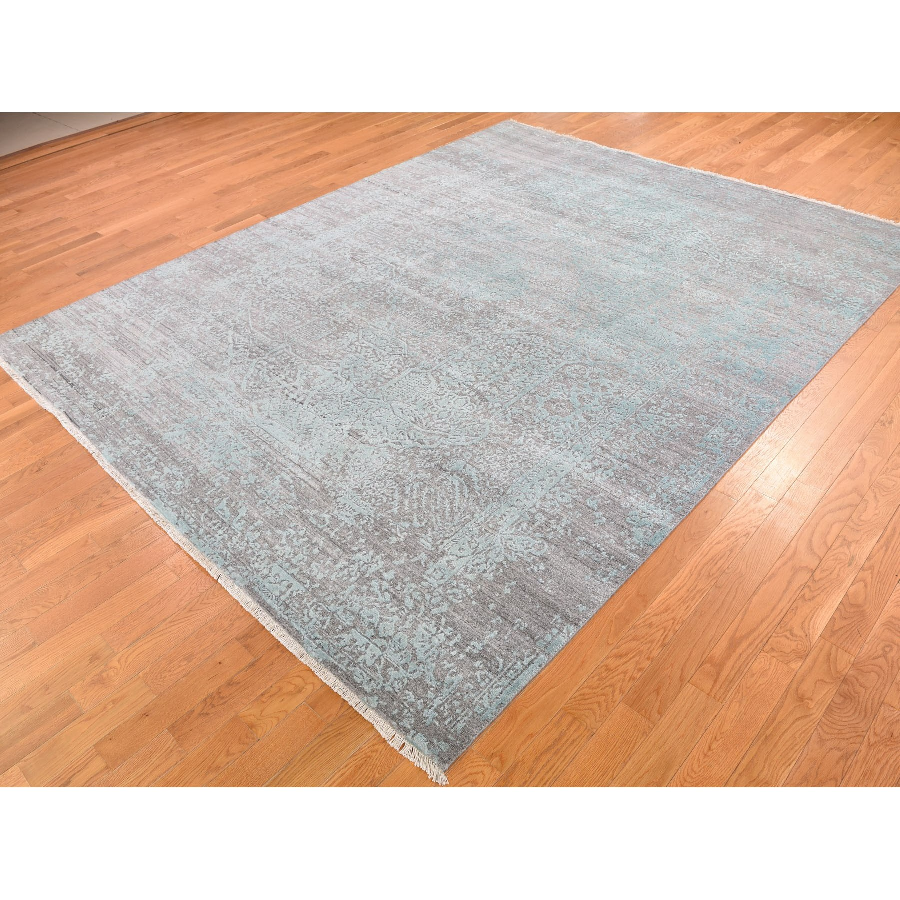 8'x10' Wool and Silk Hand Knotted Broken Persian Design Oriental Rug