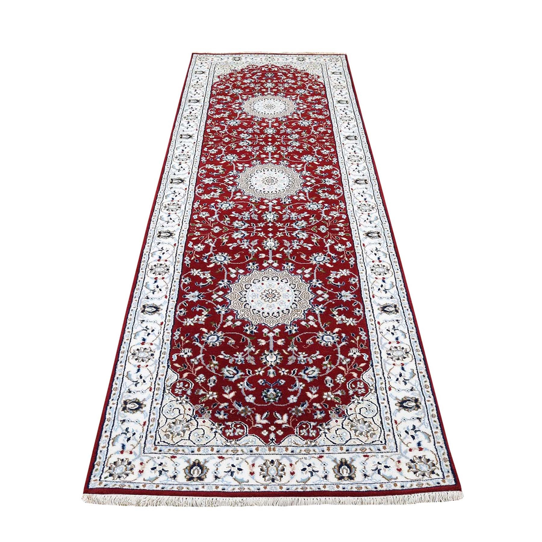 "2'9""X8'2"" Red Runner Nain Wool And Silk 250 Kpsi Hand Knotted Oriental Rug moad76d7"