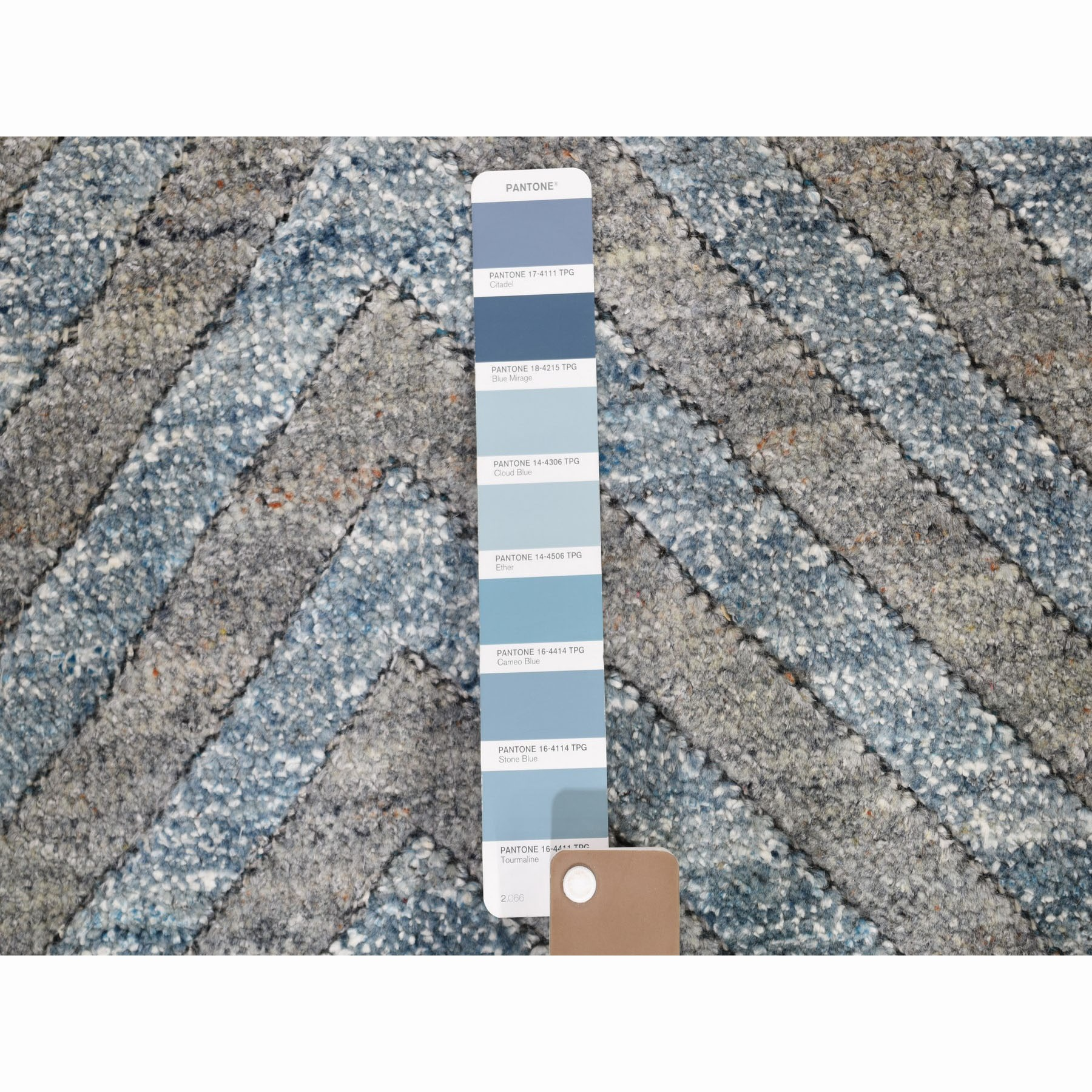 "9'1""x11'10"" Blue Pure Wool Geometric Design Thick And Plush Hand Knotted Modern Oriental Rug"