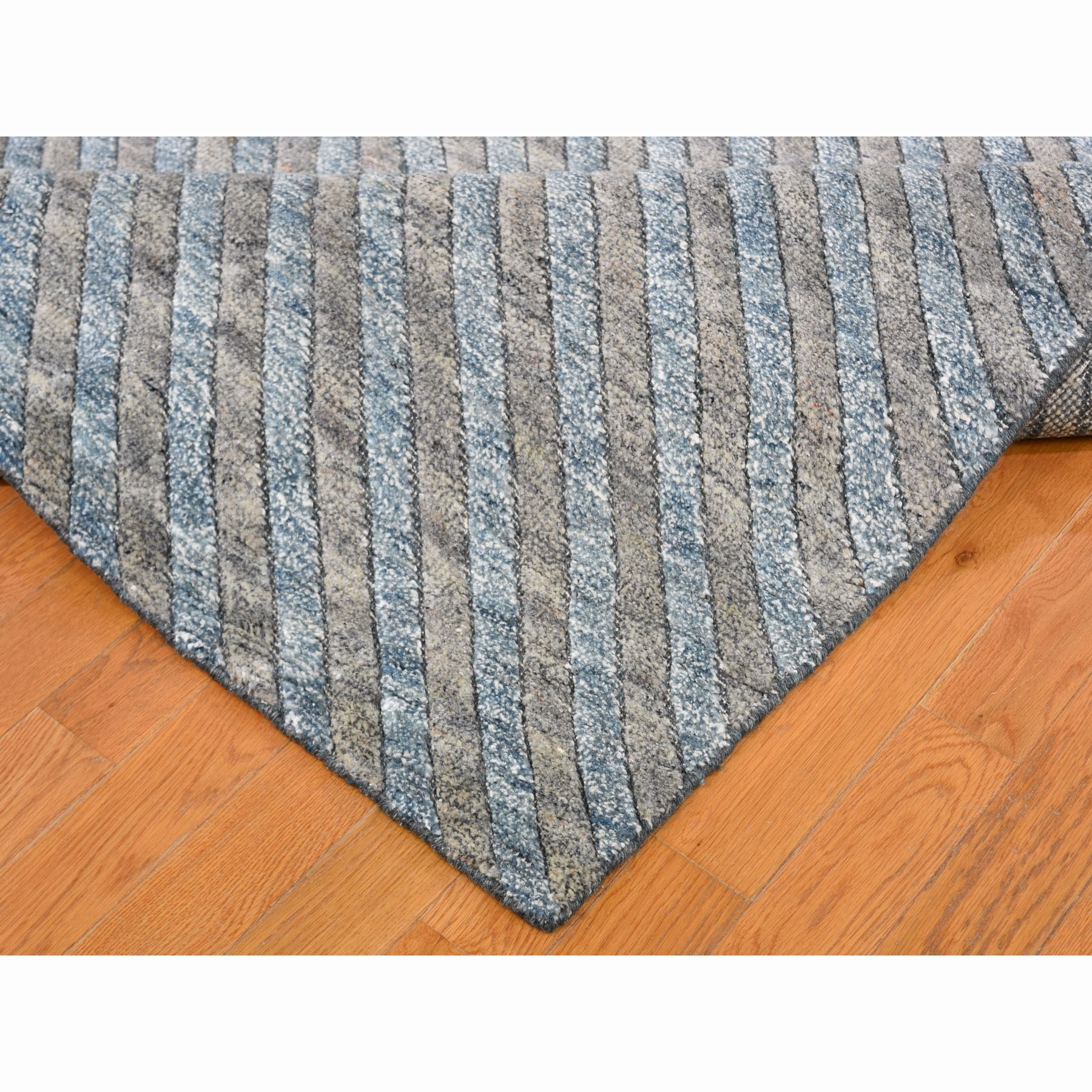 9-10 x13-10  Blue Pure Wool Geometric Design Hand Knotted Thick And Plush Modern Oriental Rug