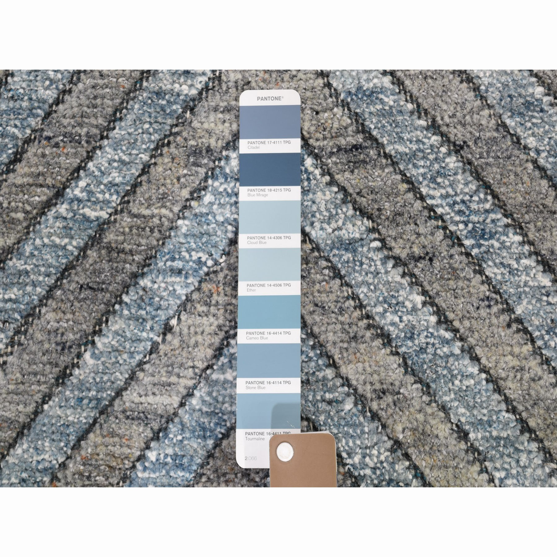 """9'10""""x13'10"""" Blue Pure Wool Geometric Design Hand Knotted Thick And Plush Modern Oriental Rug"""