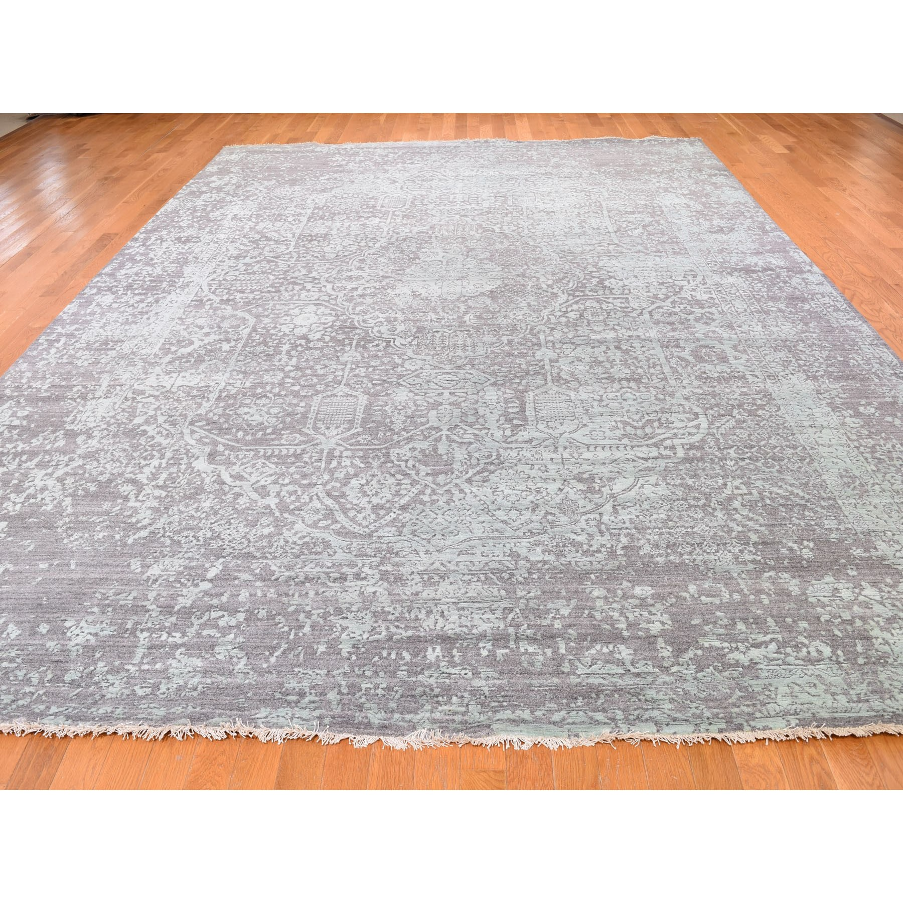 "9'10""x13'10"" Wool and Silk Hand Knotted Broken Persian Design Oriental Rug"