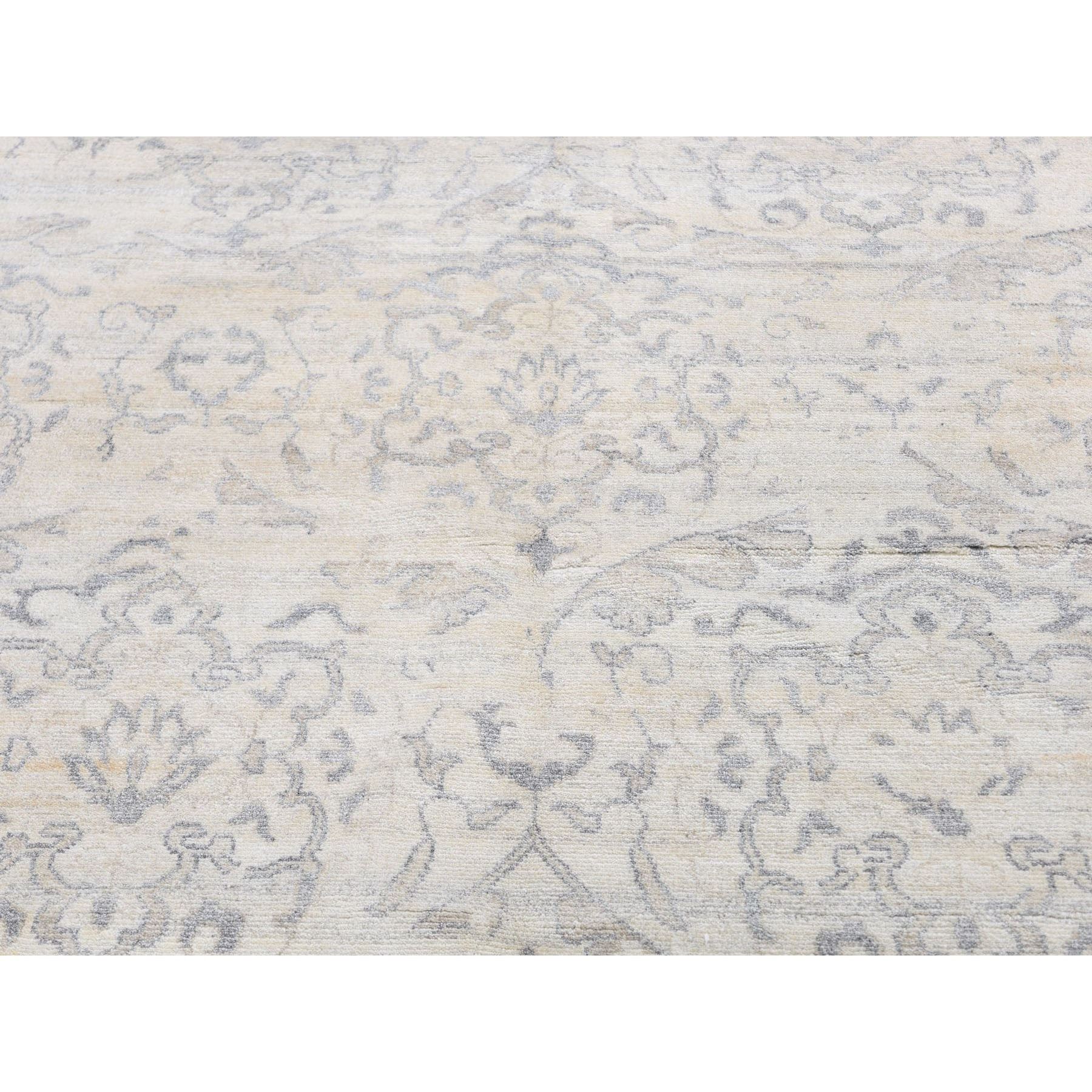 """7'10""""x10'1"""" Wool and Silk Tone-on-Tone Mughal Design Hand Knotted Oriental Rug"""